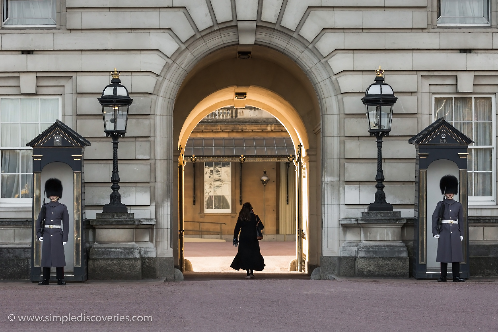 buckingham_palace_entrance