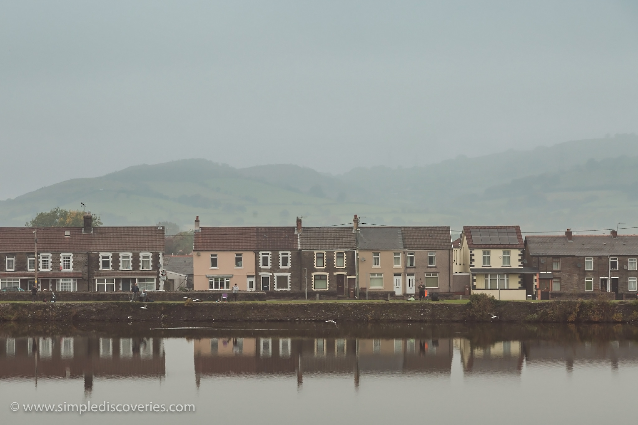 caerphilly_town_reflection_uk