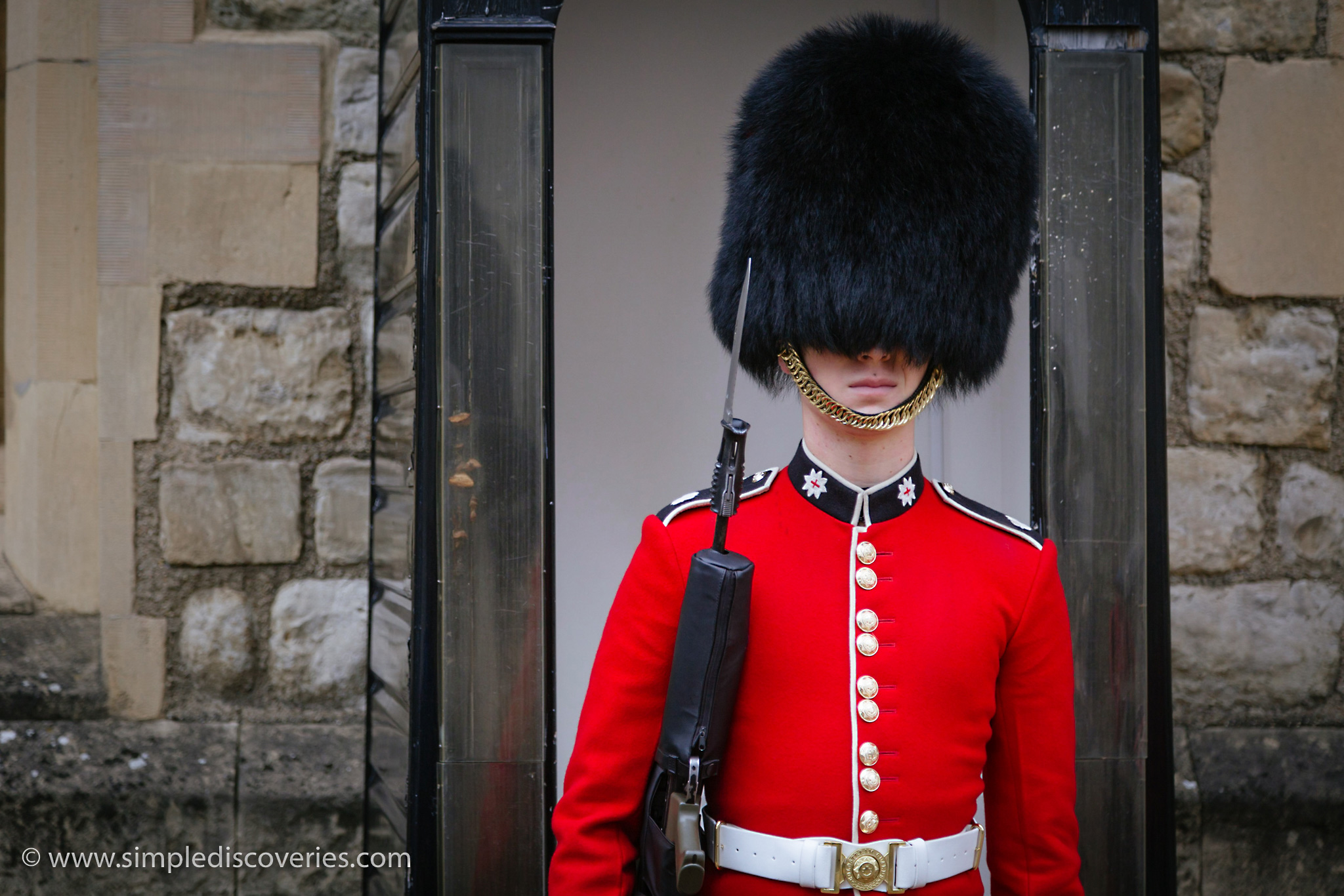 guard_bearskin_hat