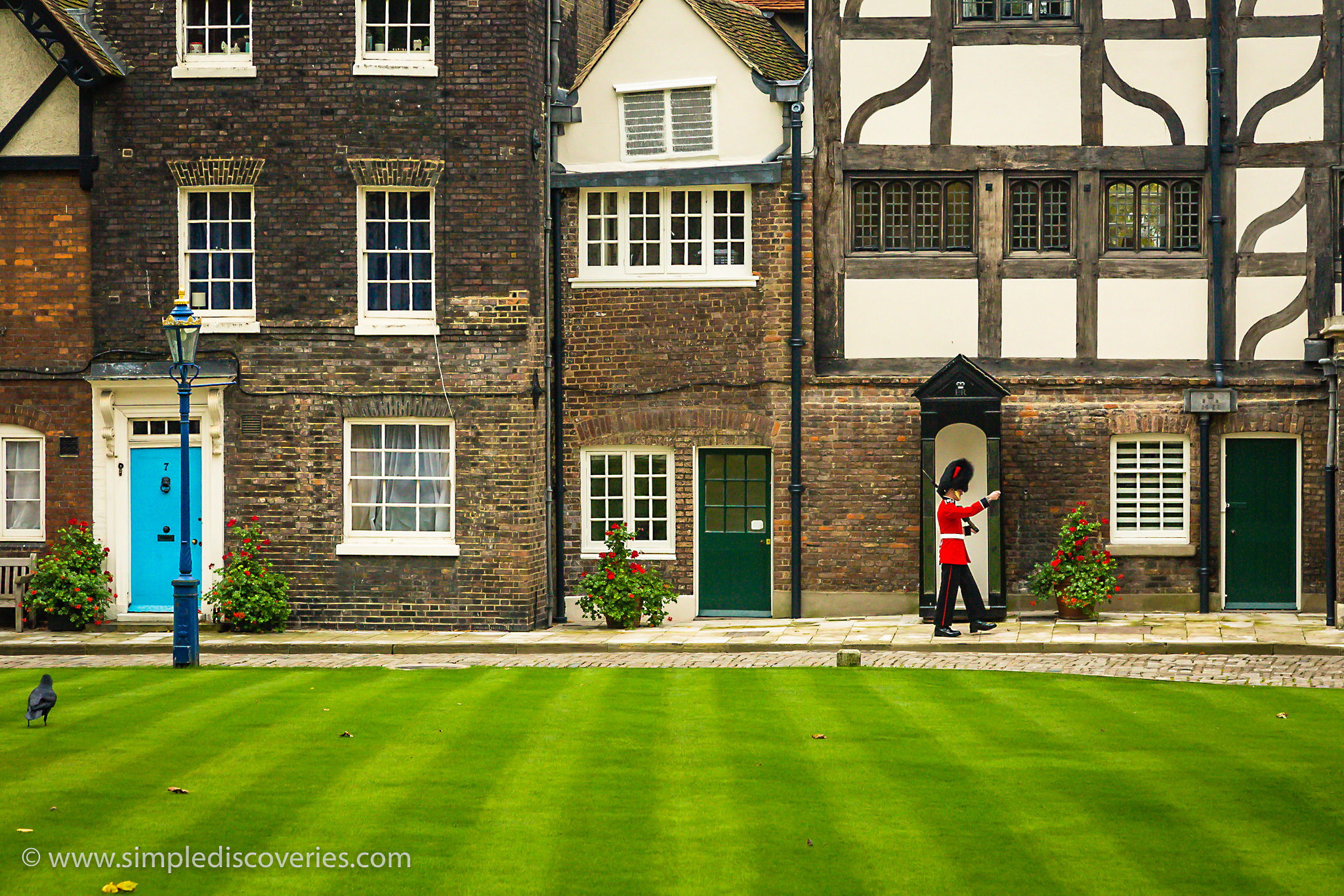 tower_of_london_guard