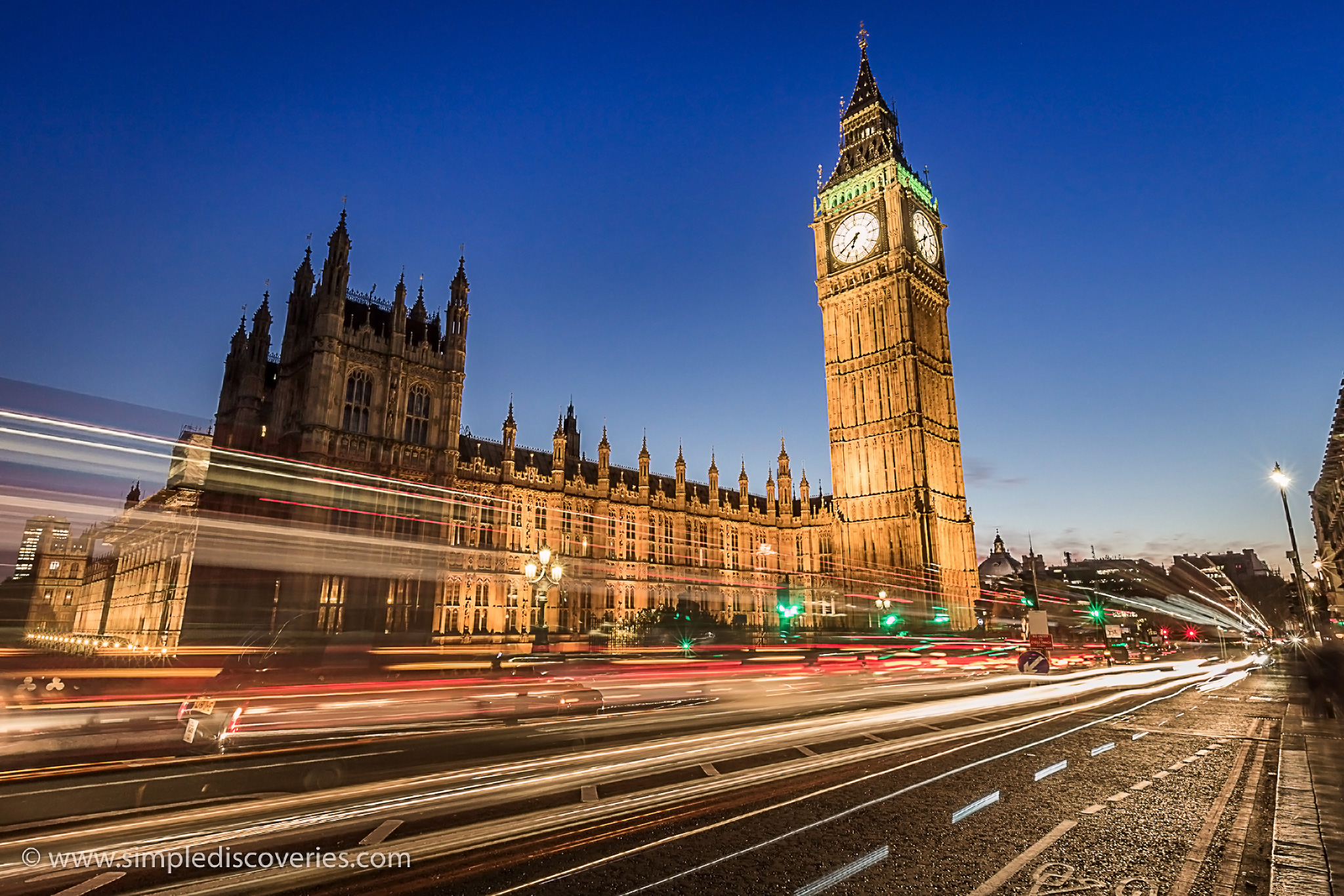 united_kingdom_parliament_night