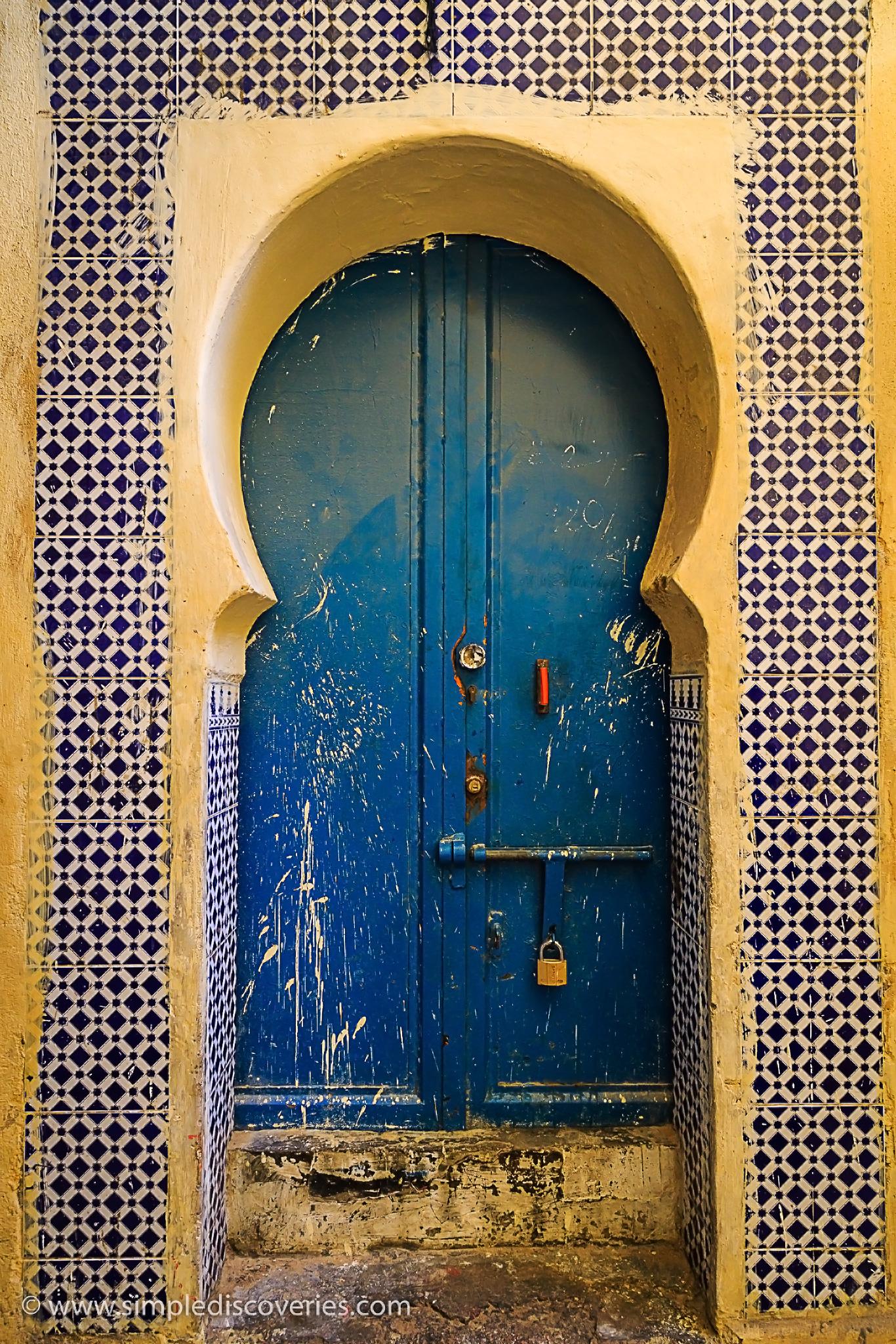 blue_door_morocco