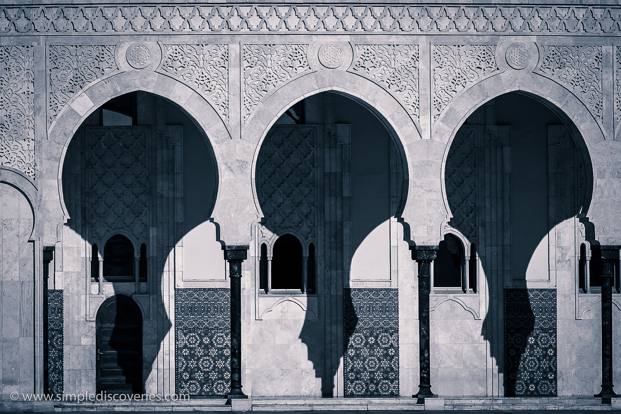 hassan_ii_mosque_shadows