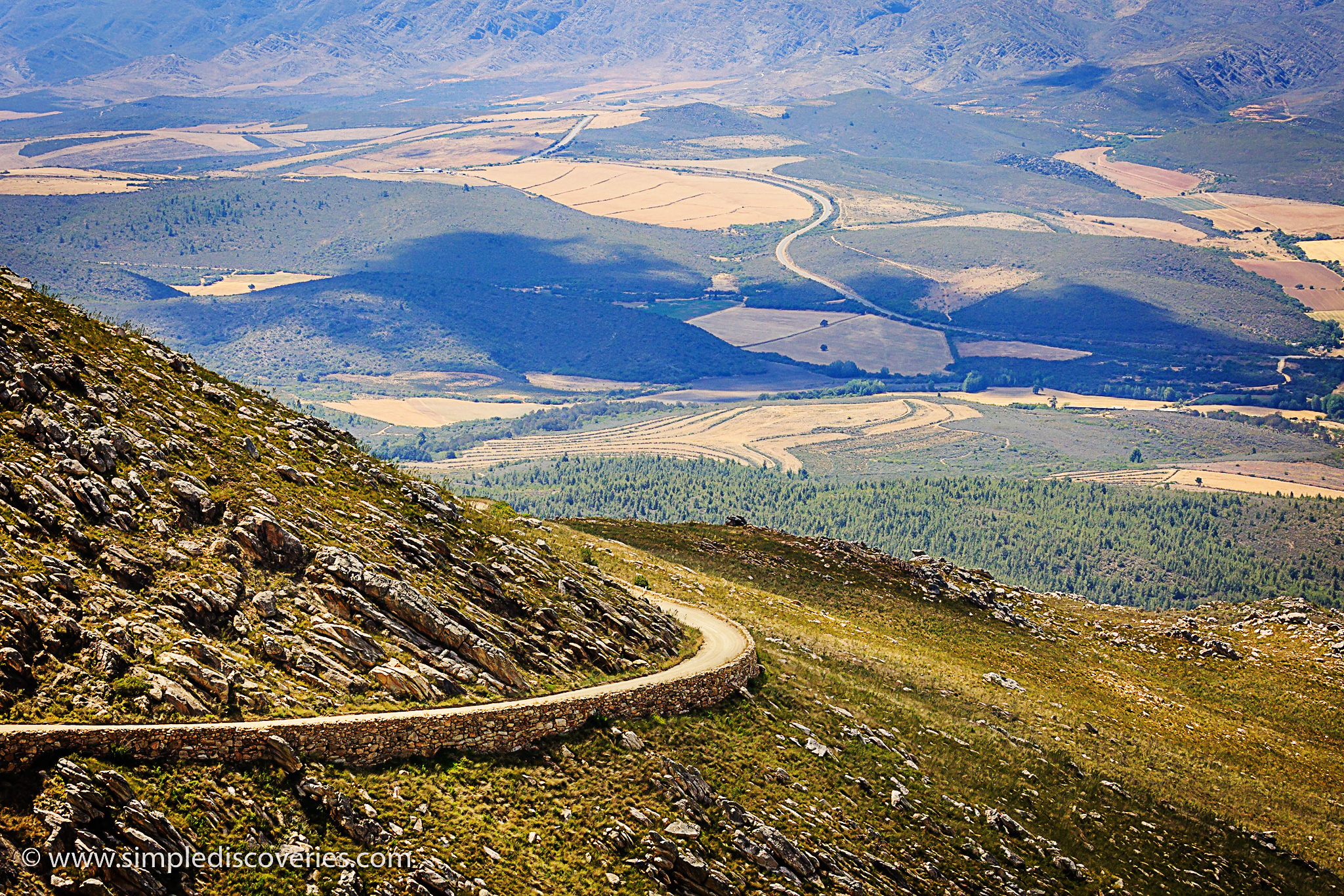 swartberg_pass_road_africa