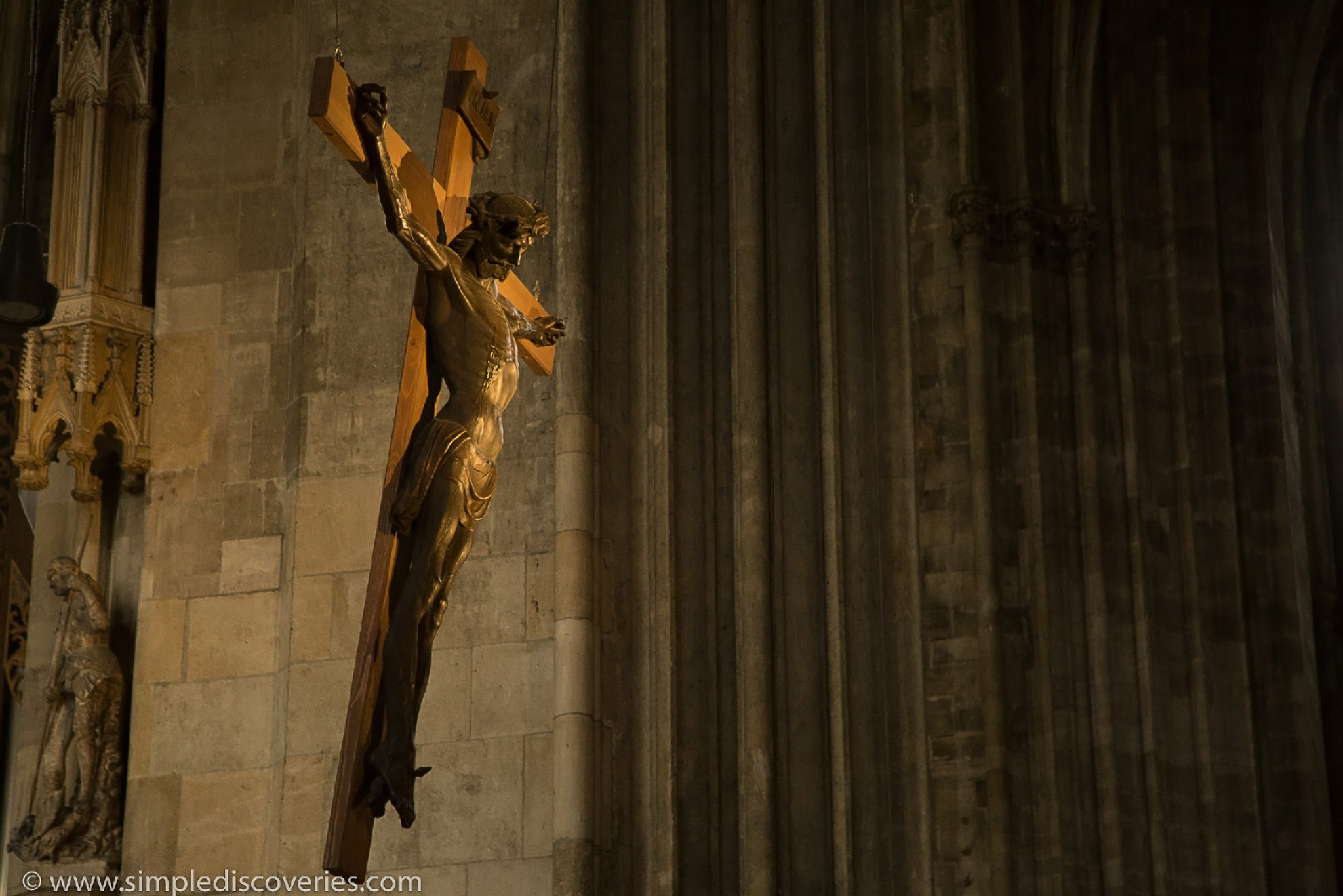 cross_cathedral_austria
