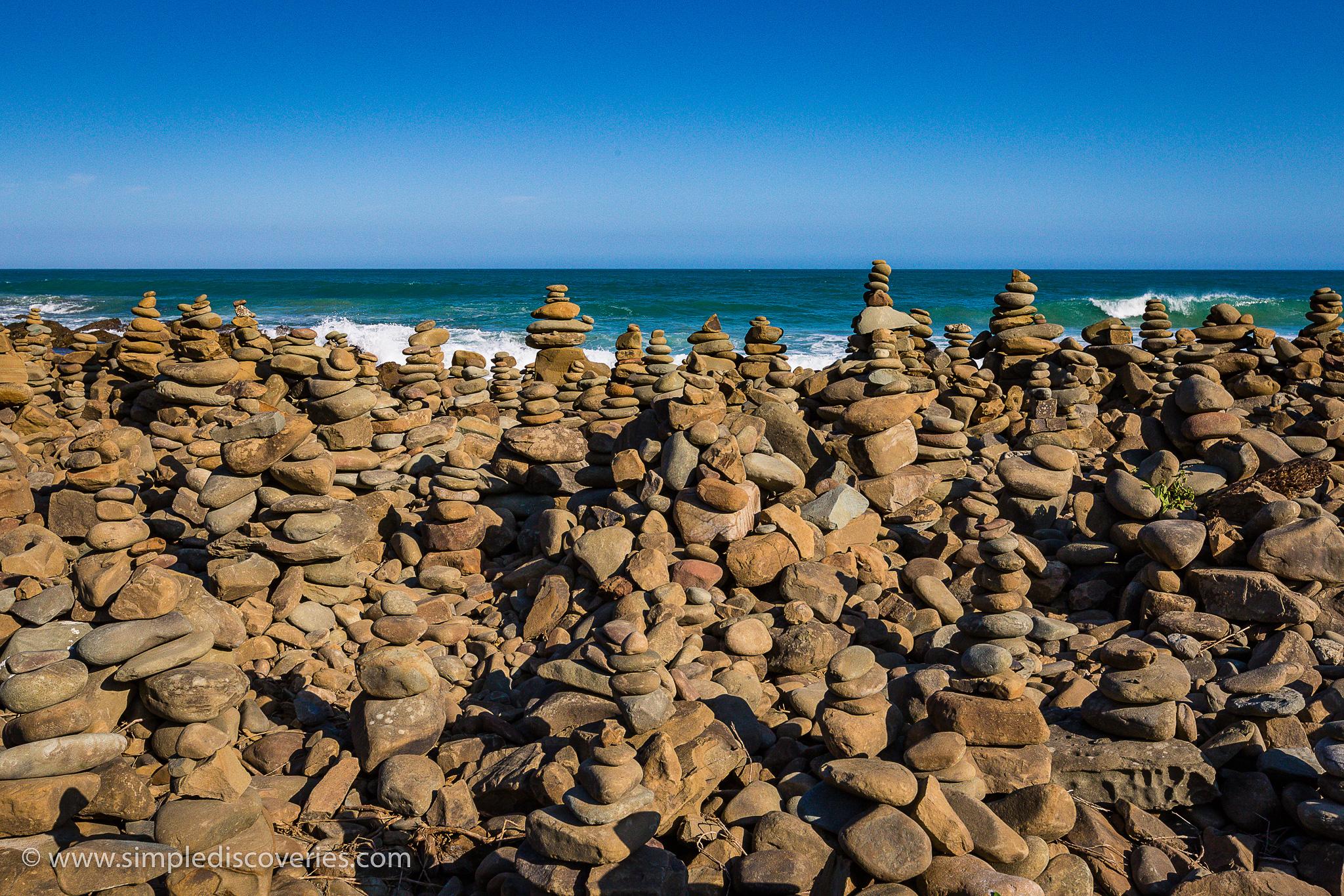 rock_cairns_great_ocean_road