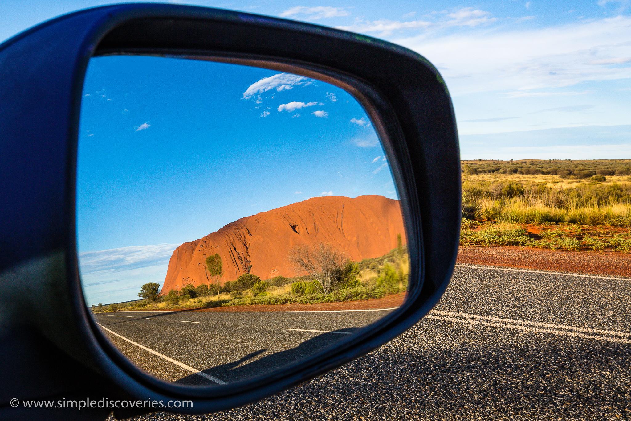 australia_uluru_reflection