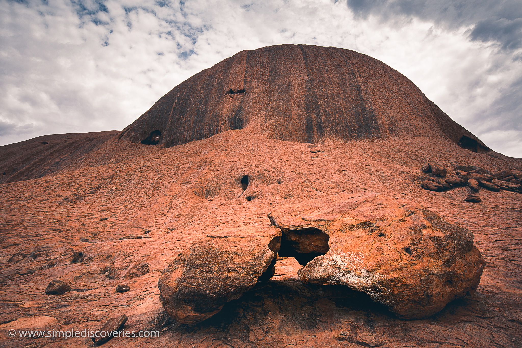 uluru_sandstone_rock_australia