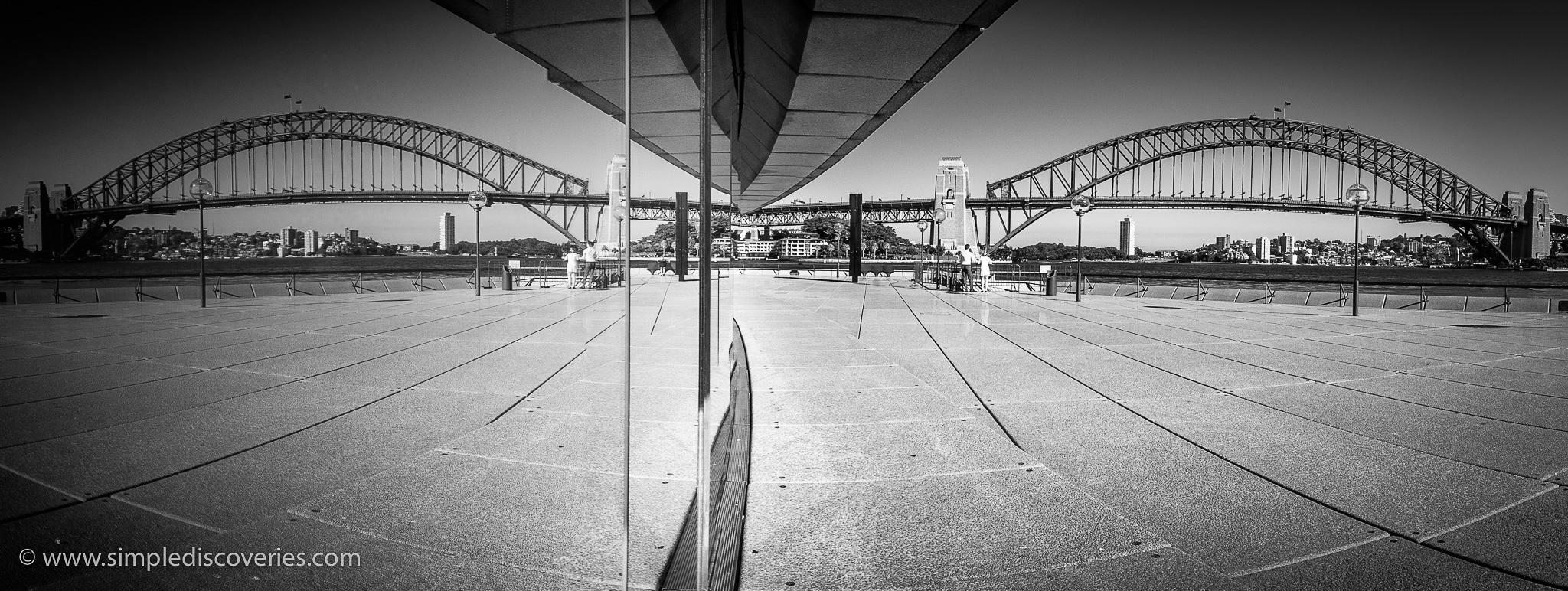 sydney_bridge_reflection_australia