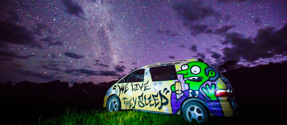 New_Zealand_campervan_milky_way