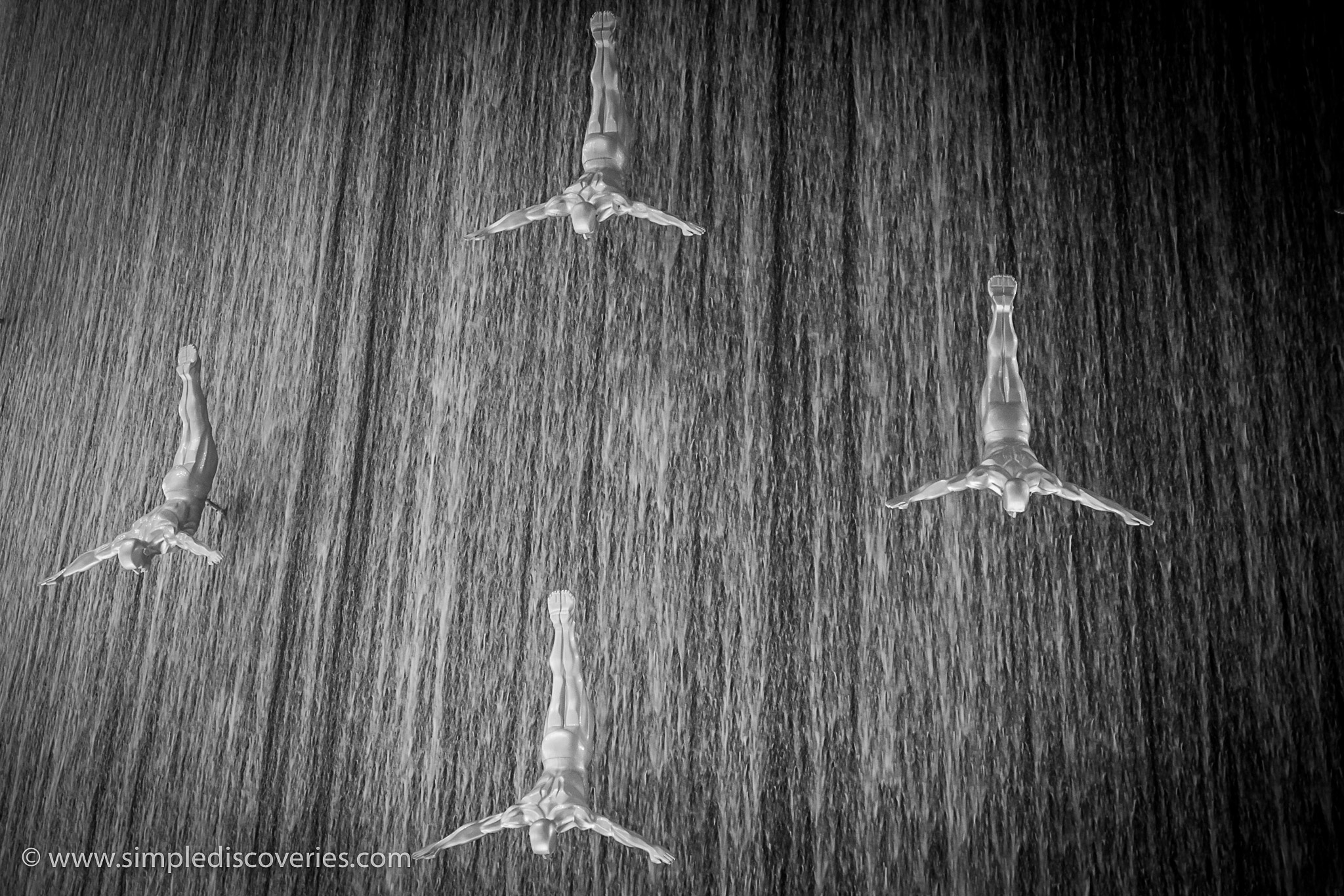 dubai_mall_divers