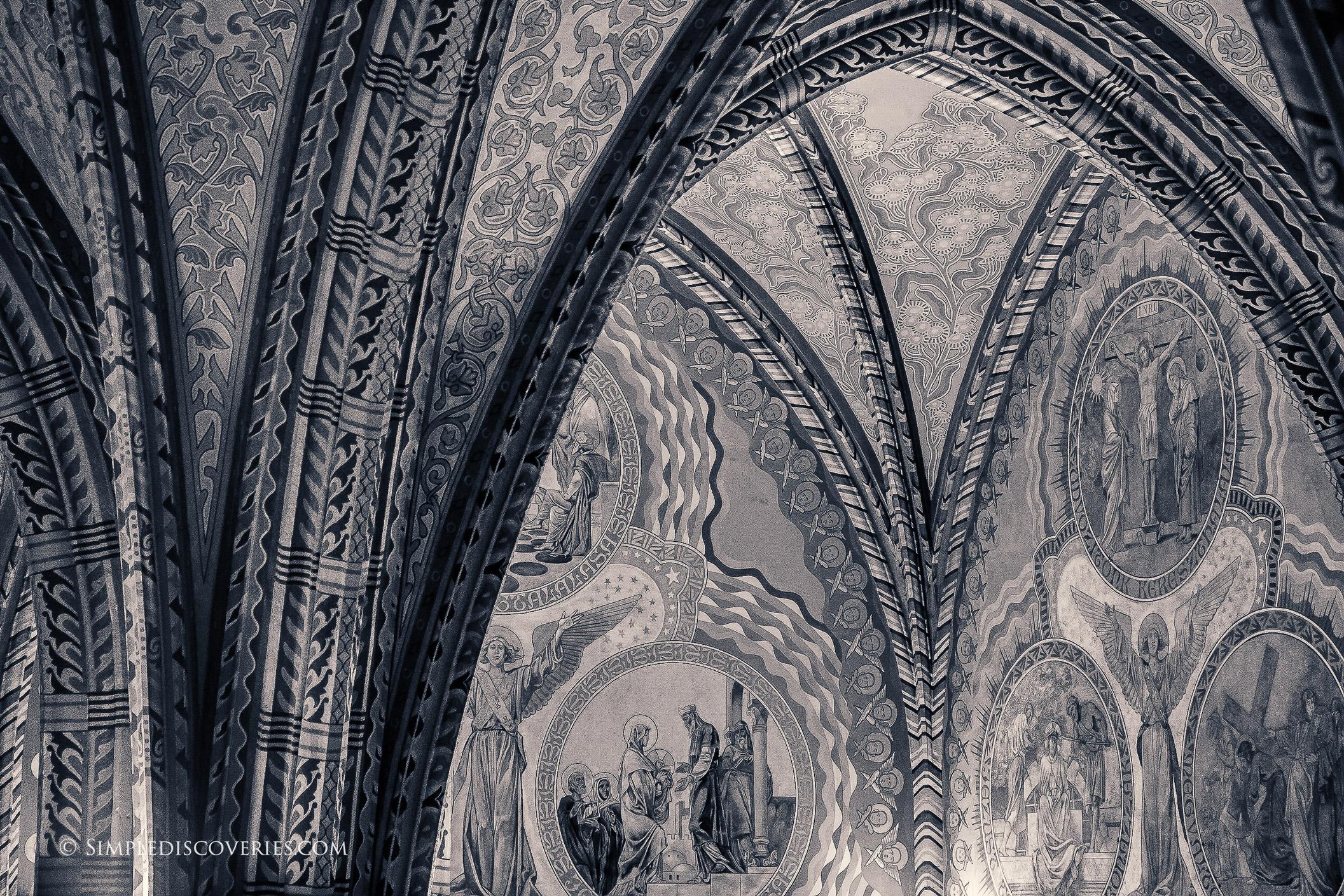 matthias_church_details_budapest