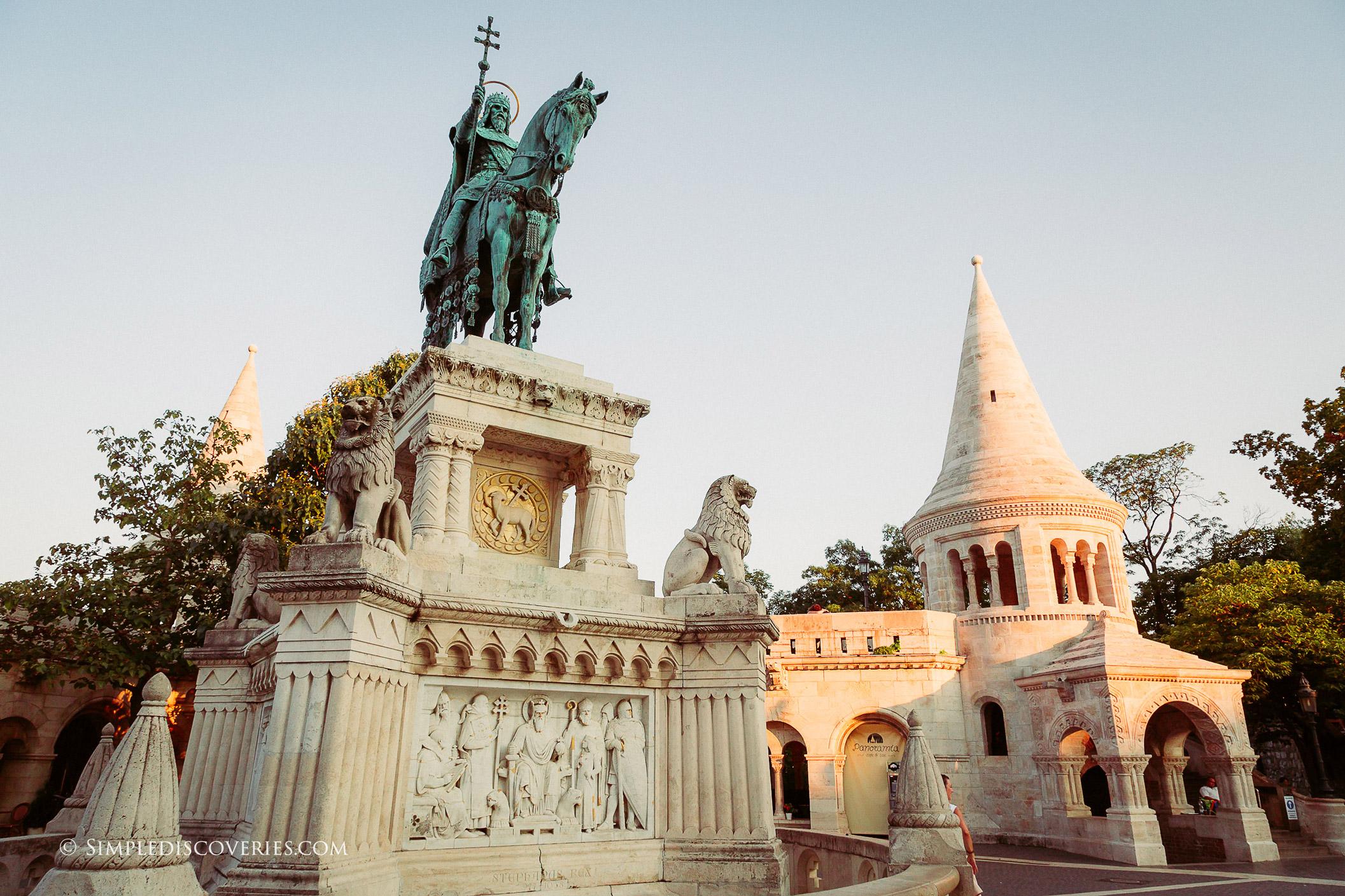 st_stephen_statue_budapest