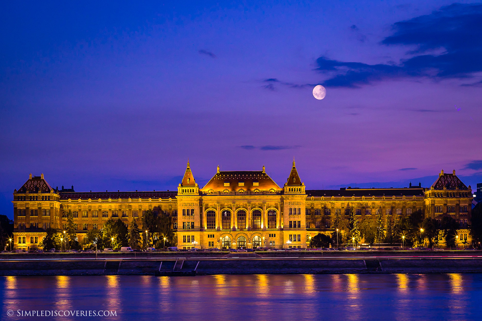 moon_over_budapest_hungary