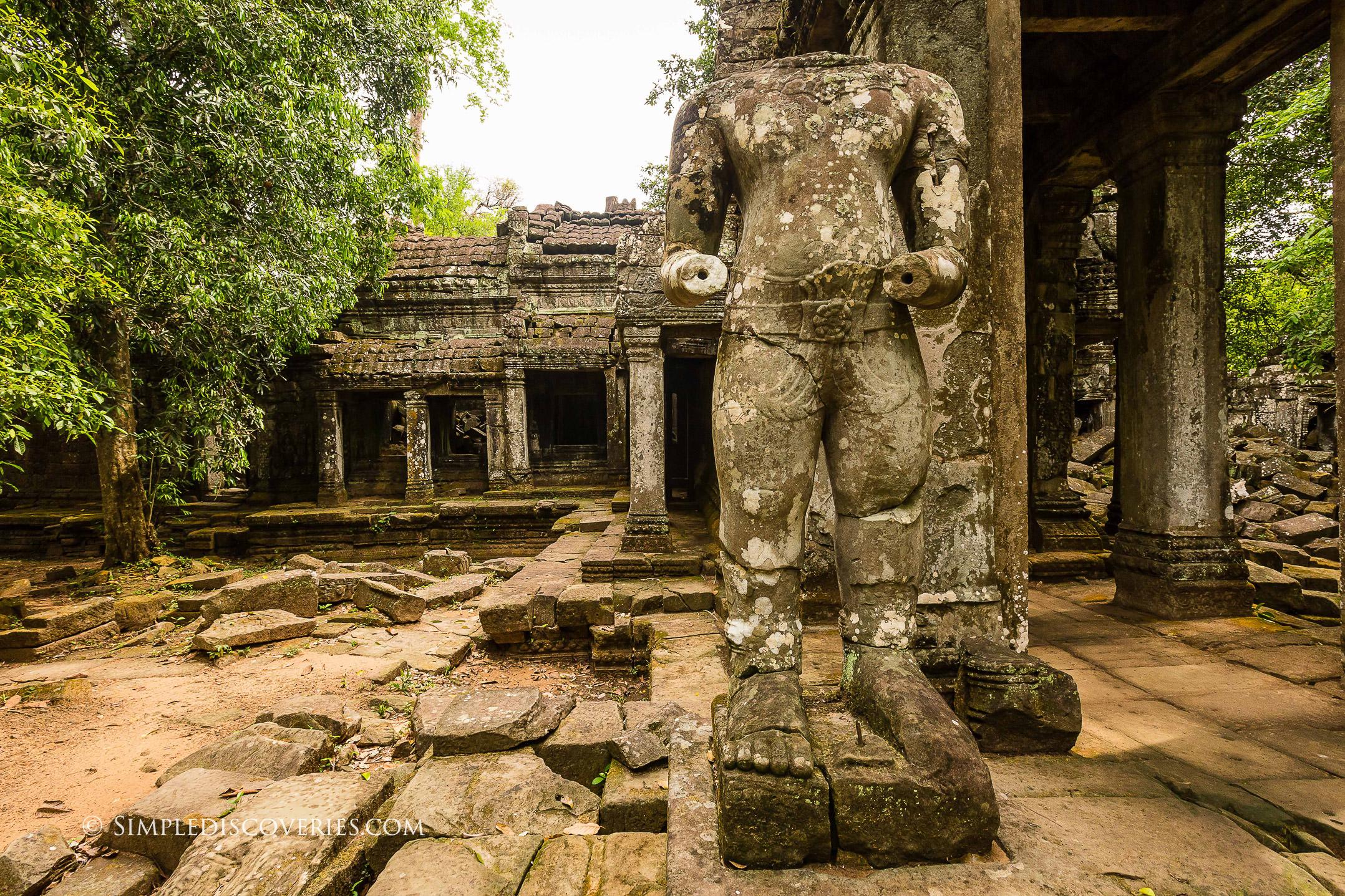 preach_khan_ruins_cambodia