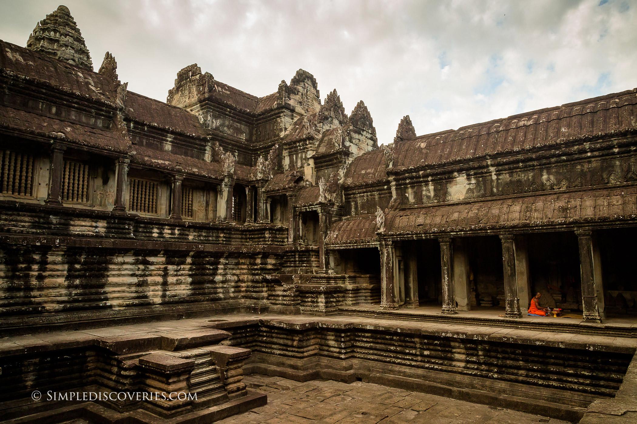inside_angkor_wat_cambodia