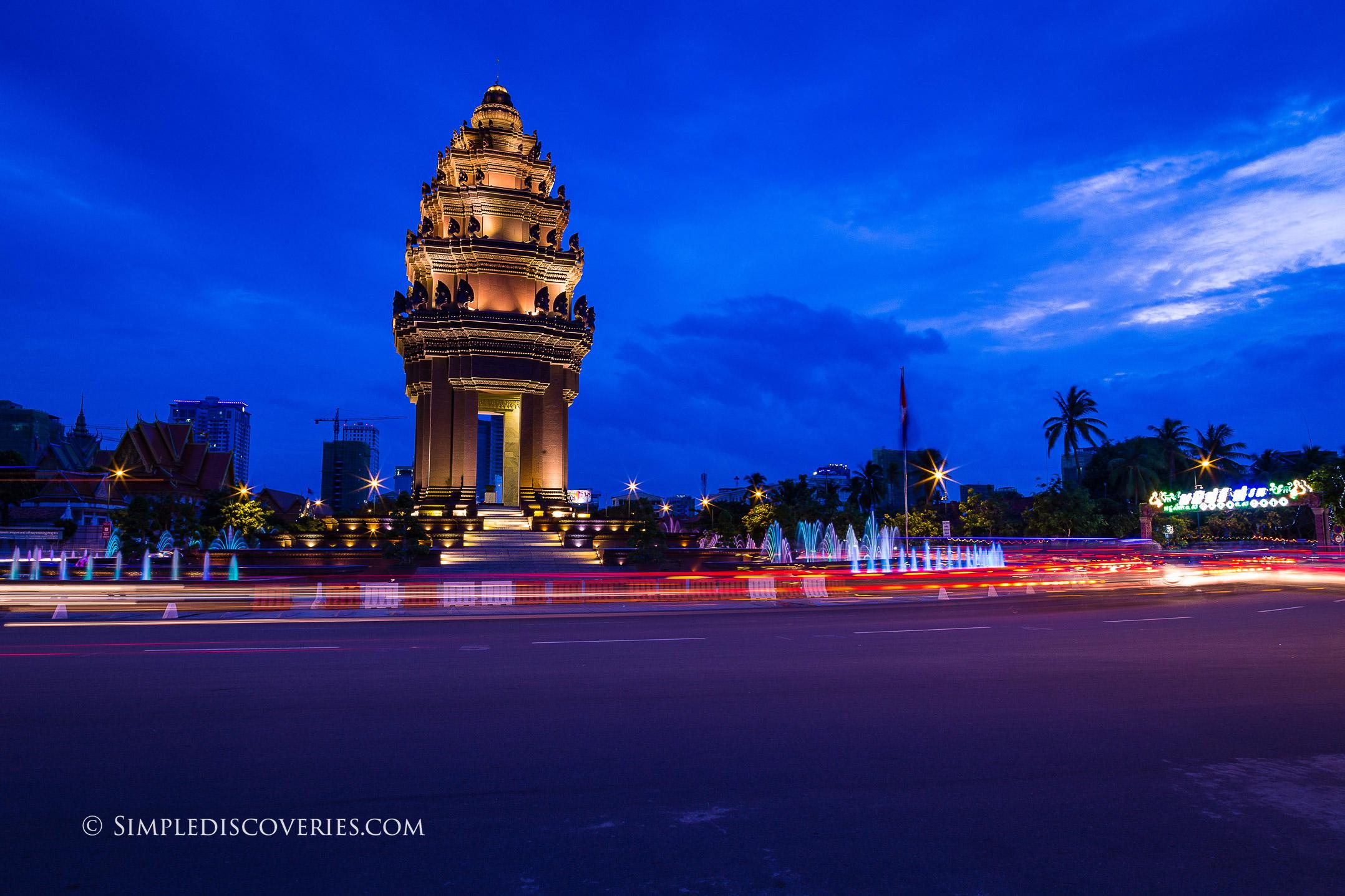 independence_monument_phnom_penh_cambodia