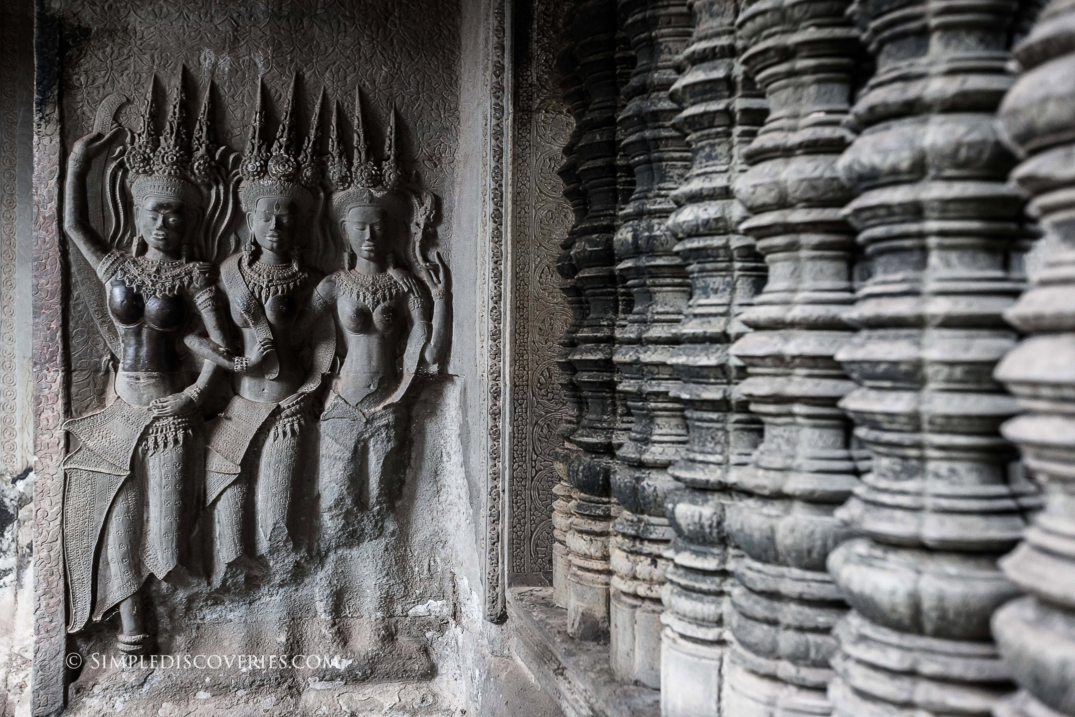 cambodia_temple_carvings_details