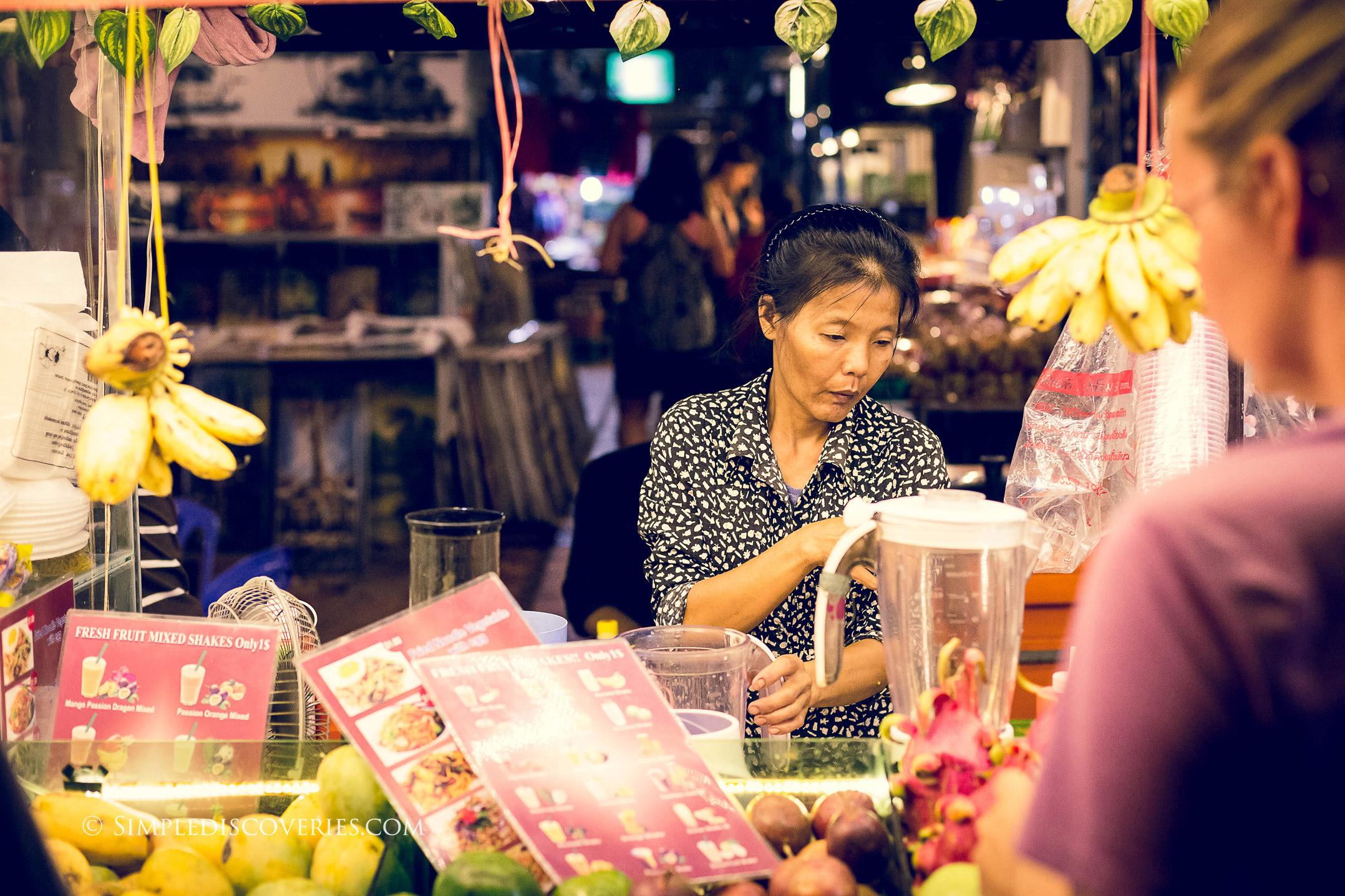 cambodia_fruit_shakes