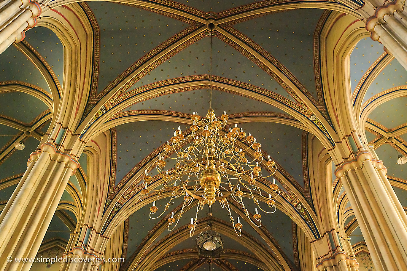 croatia_zagreb_cathedral_ceiling