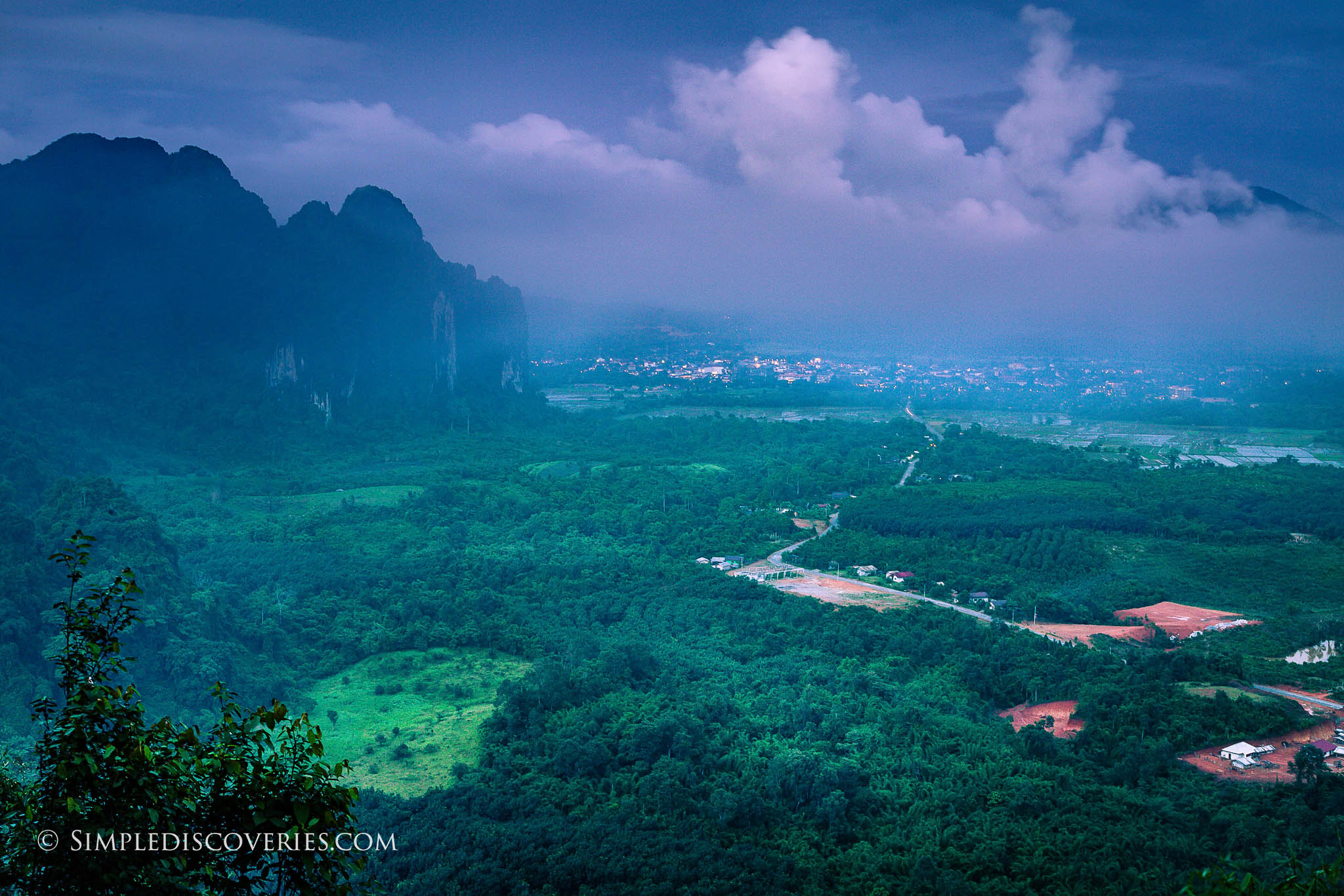 vang_vieng_mountains_laos