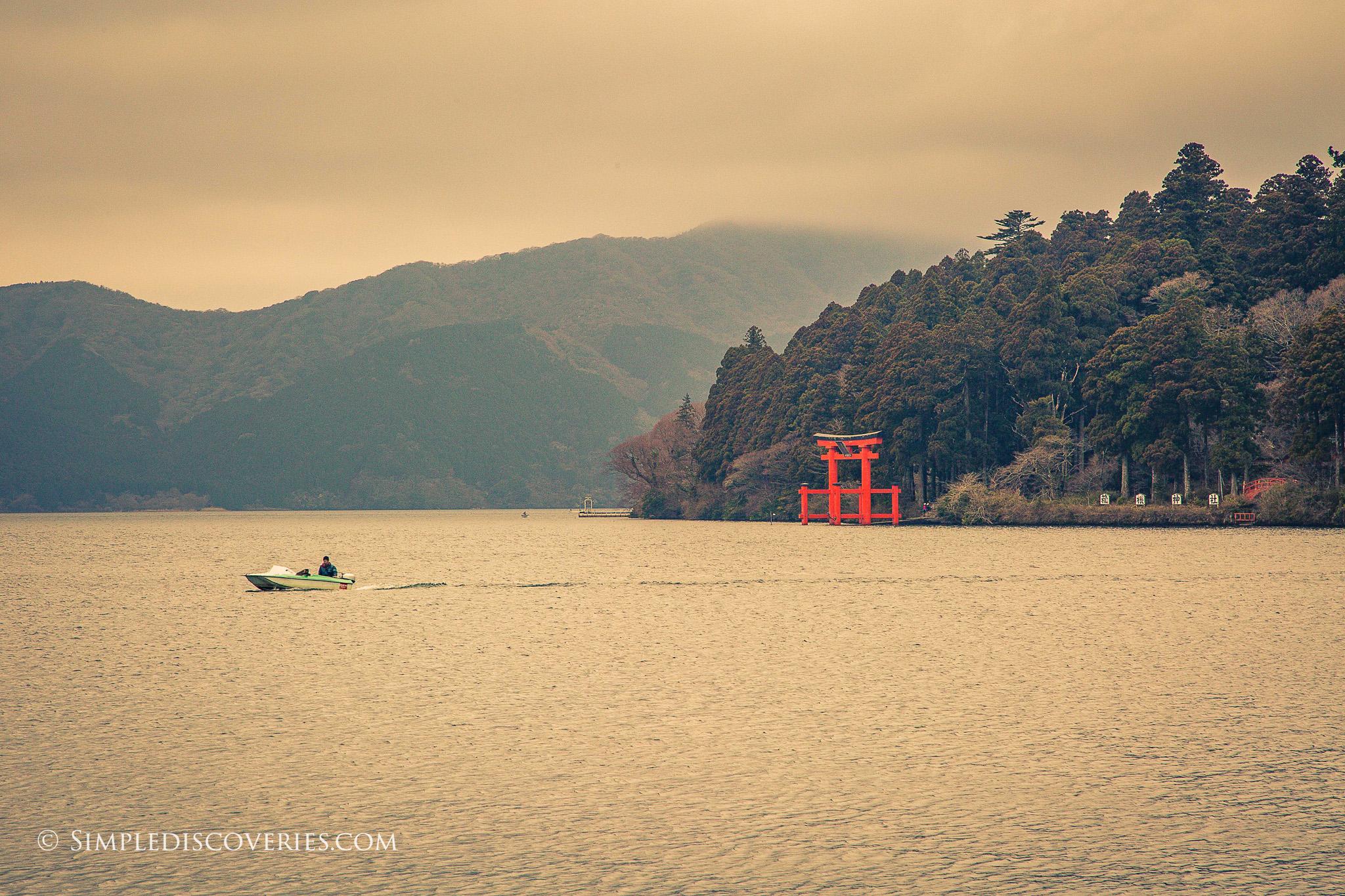 Lake_Ashi_Hakone_Japan