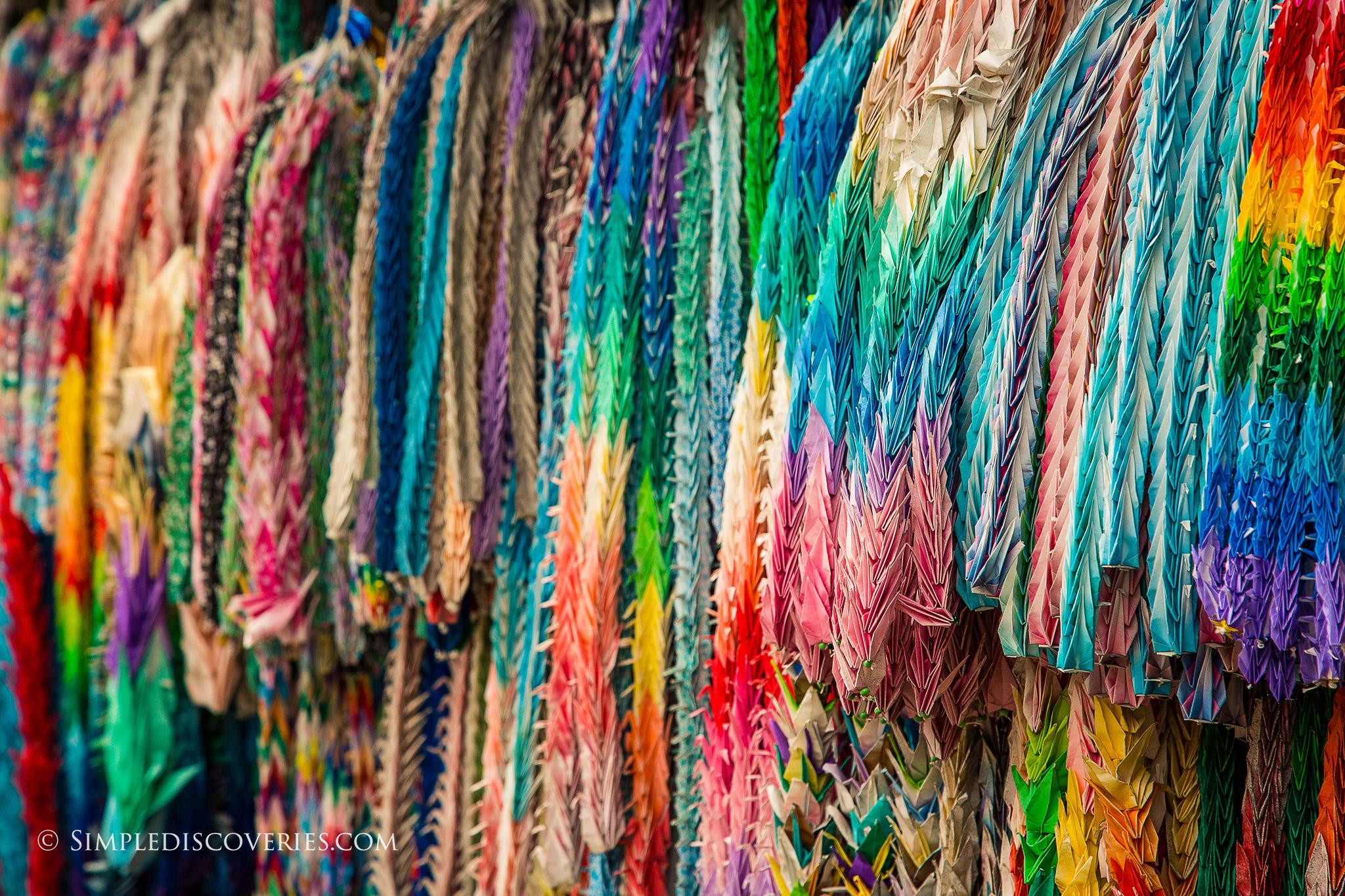 Japan_Colorful_paper_Cranes