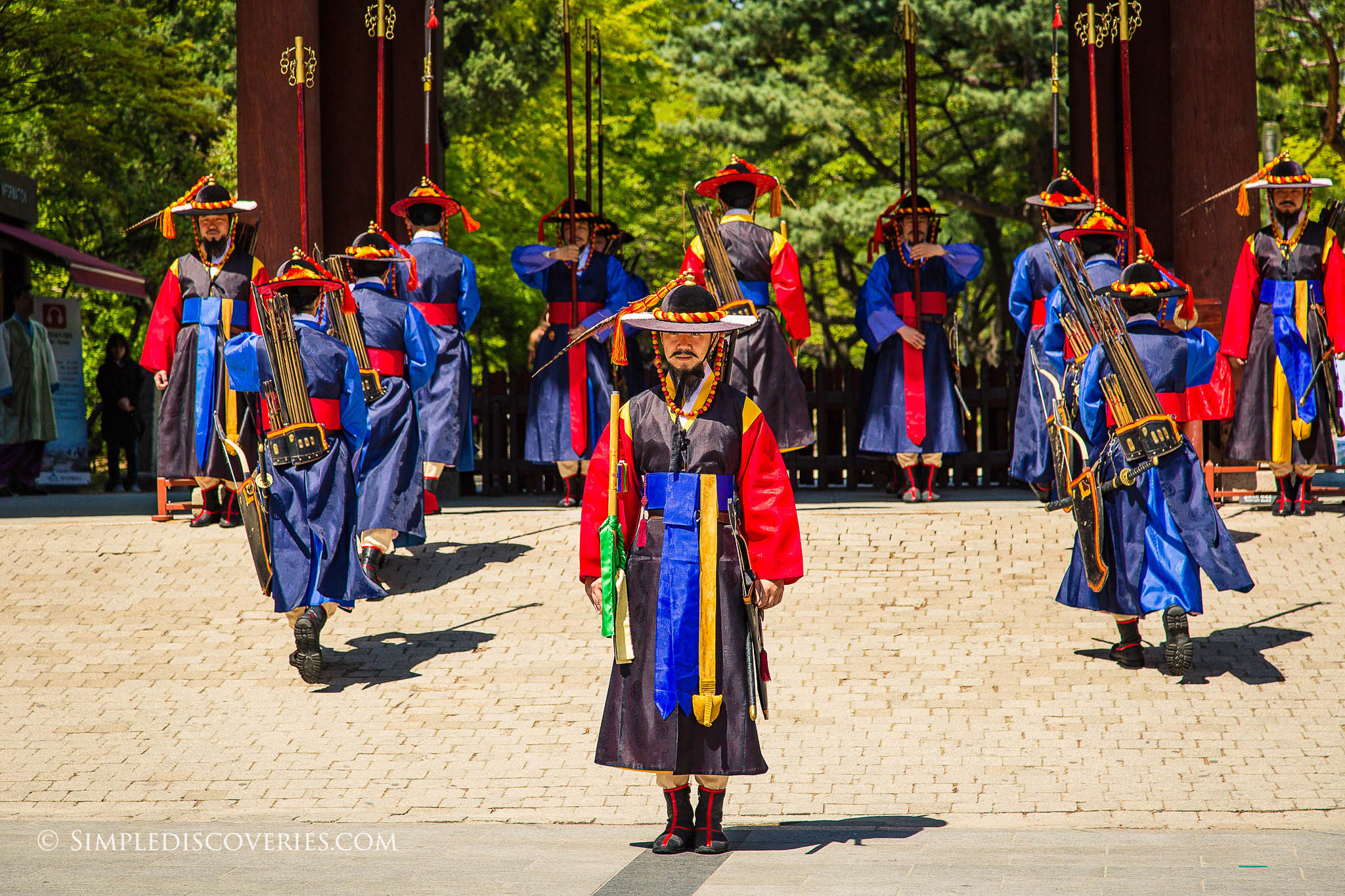 Deoksugung_Palace_Guards_Seoul_Korea