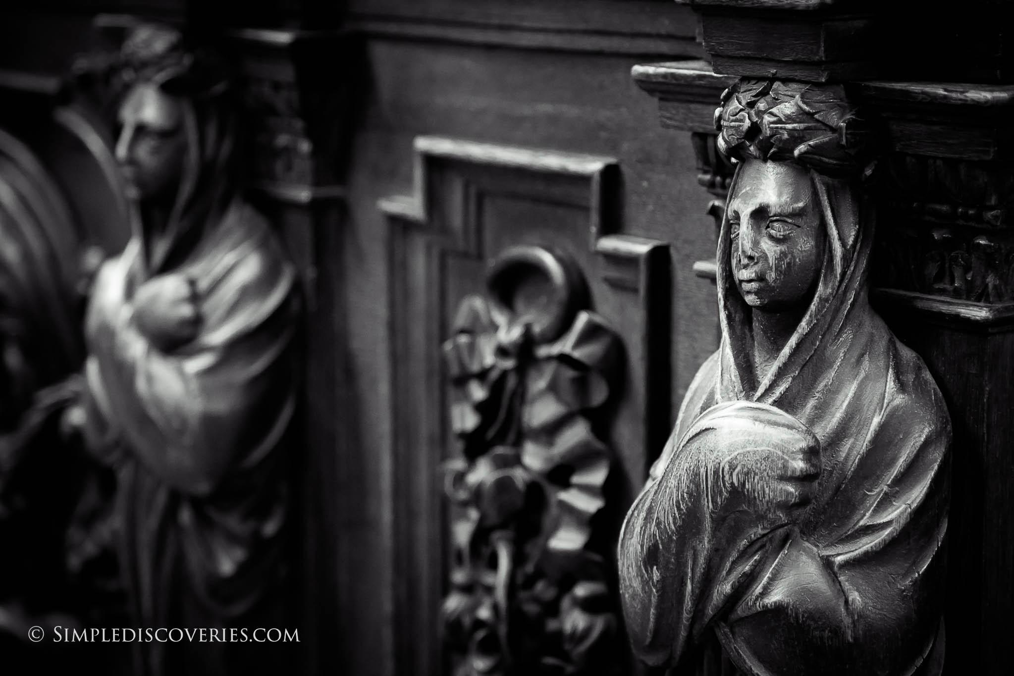 prague_st_vitus_carvings