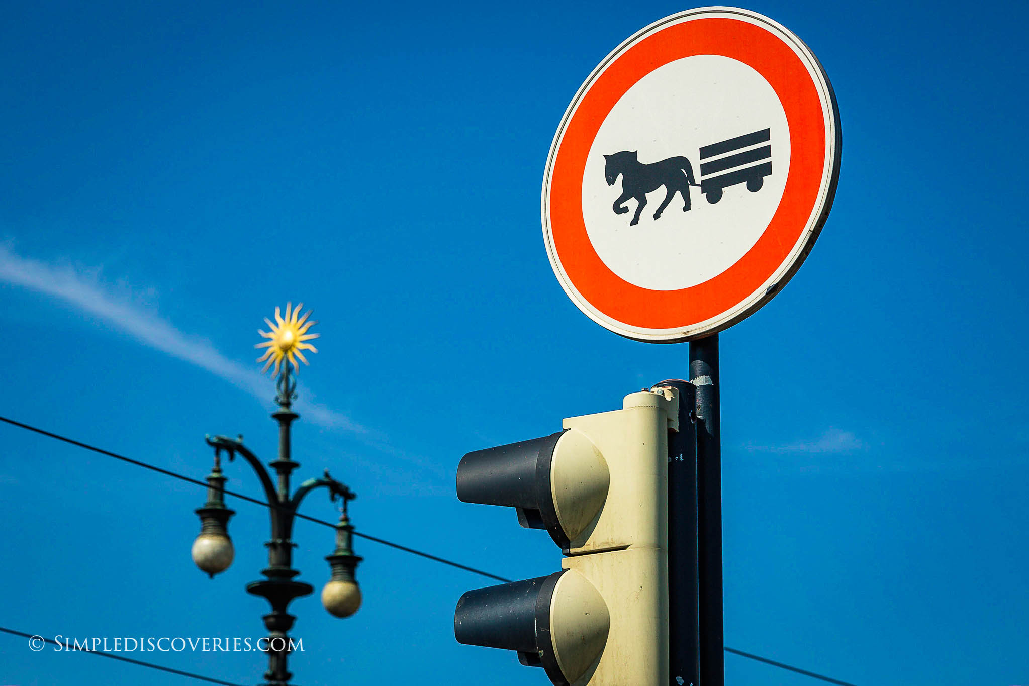 prague_crossing_sign