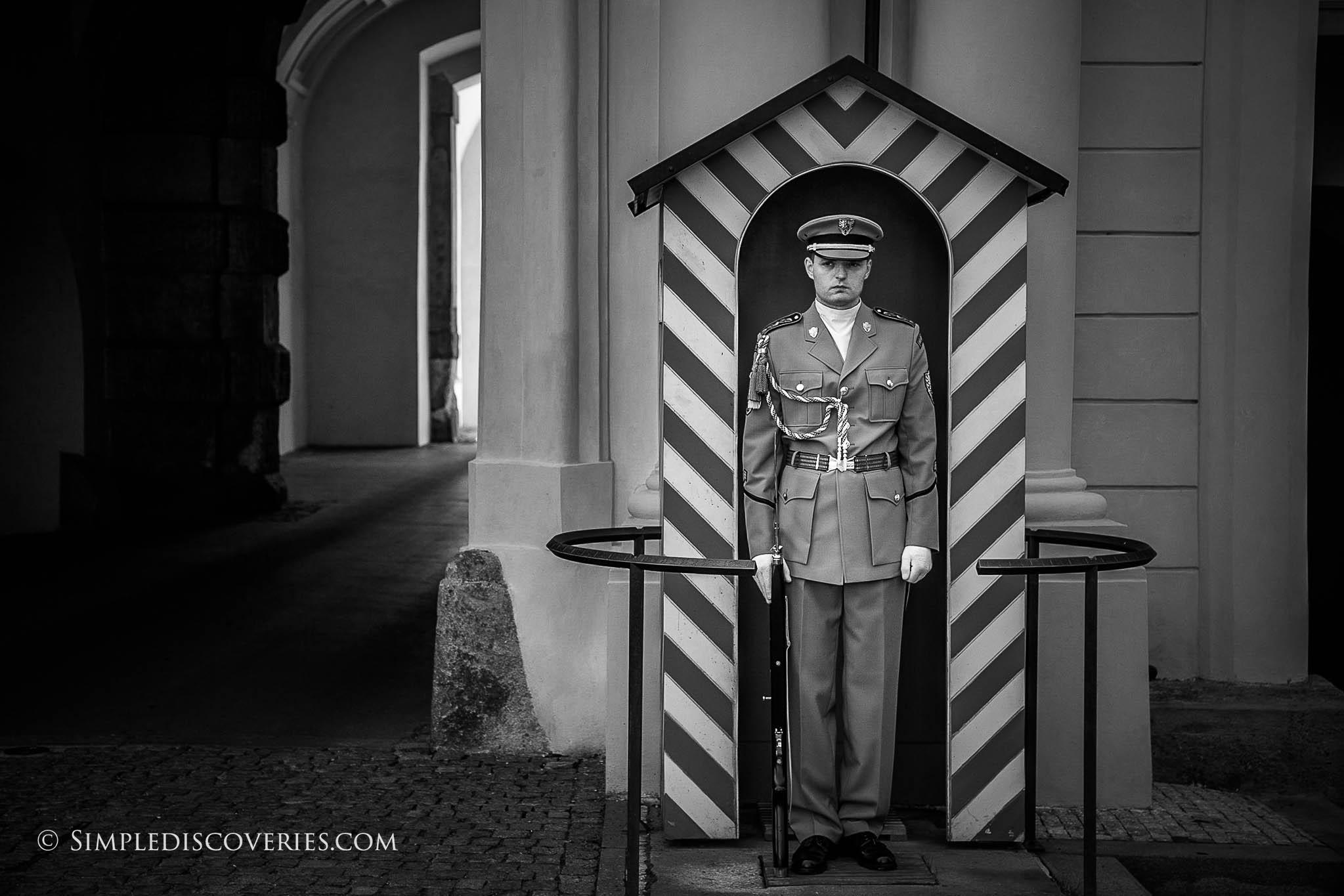 prague_castle_guard