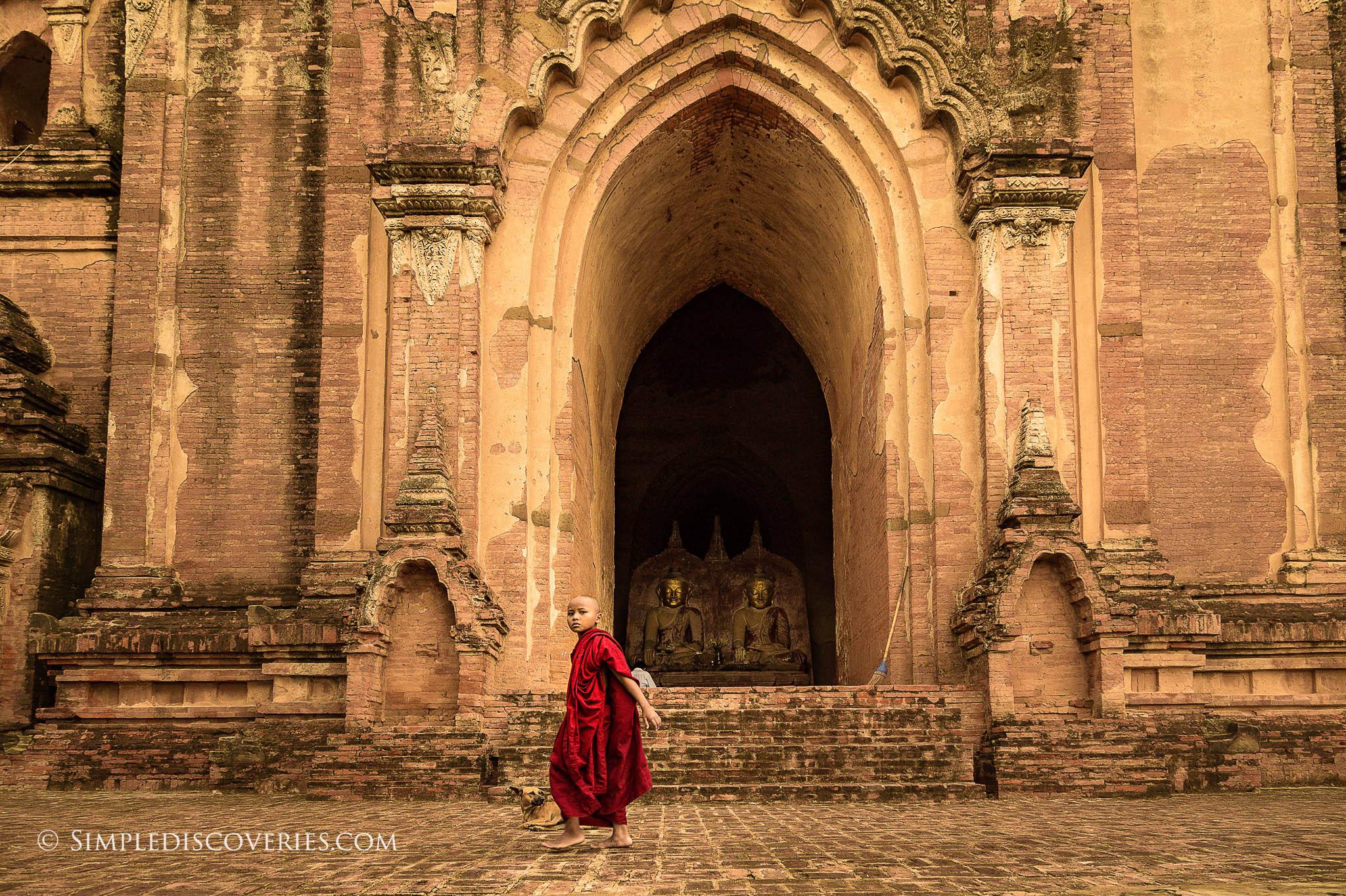 young_monk_bagan_myanmar