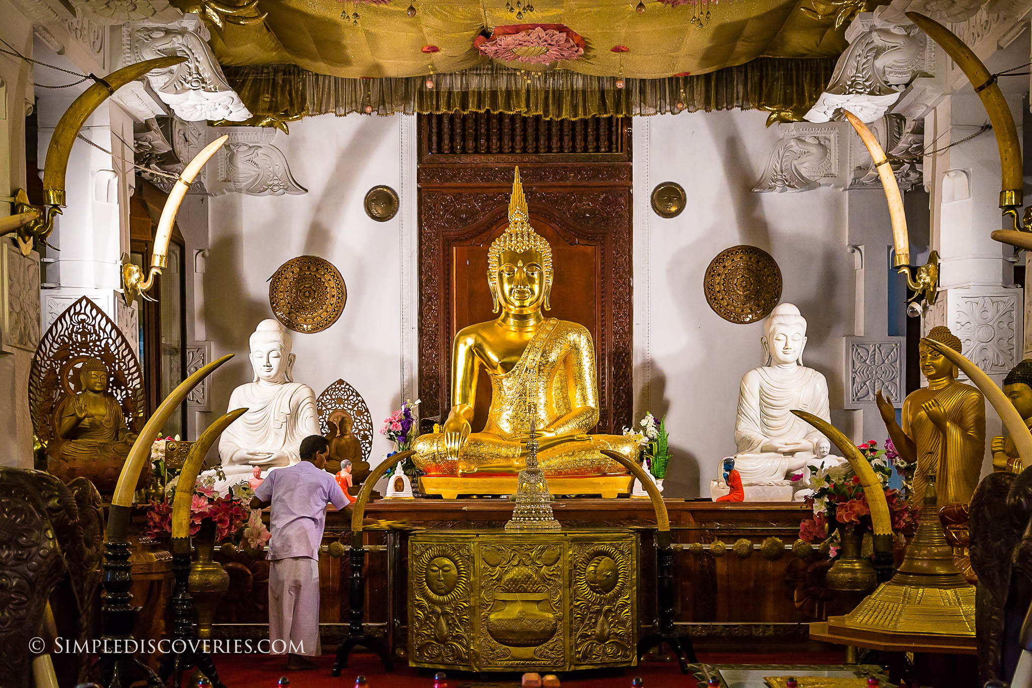 temple_of_the_sacred_tooth_relic_srilanka