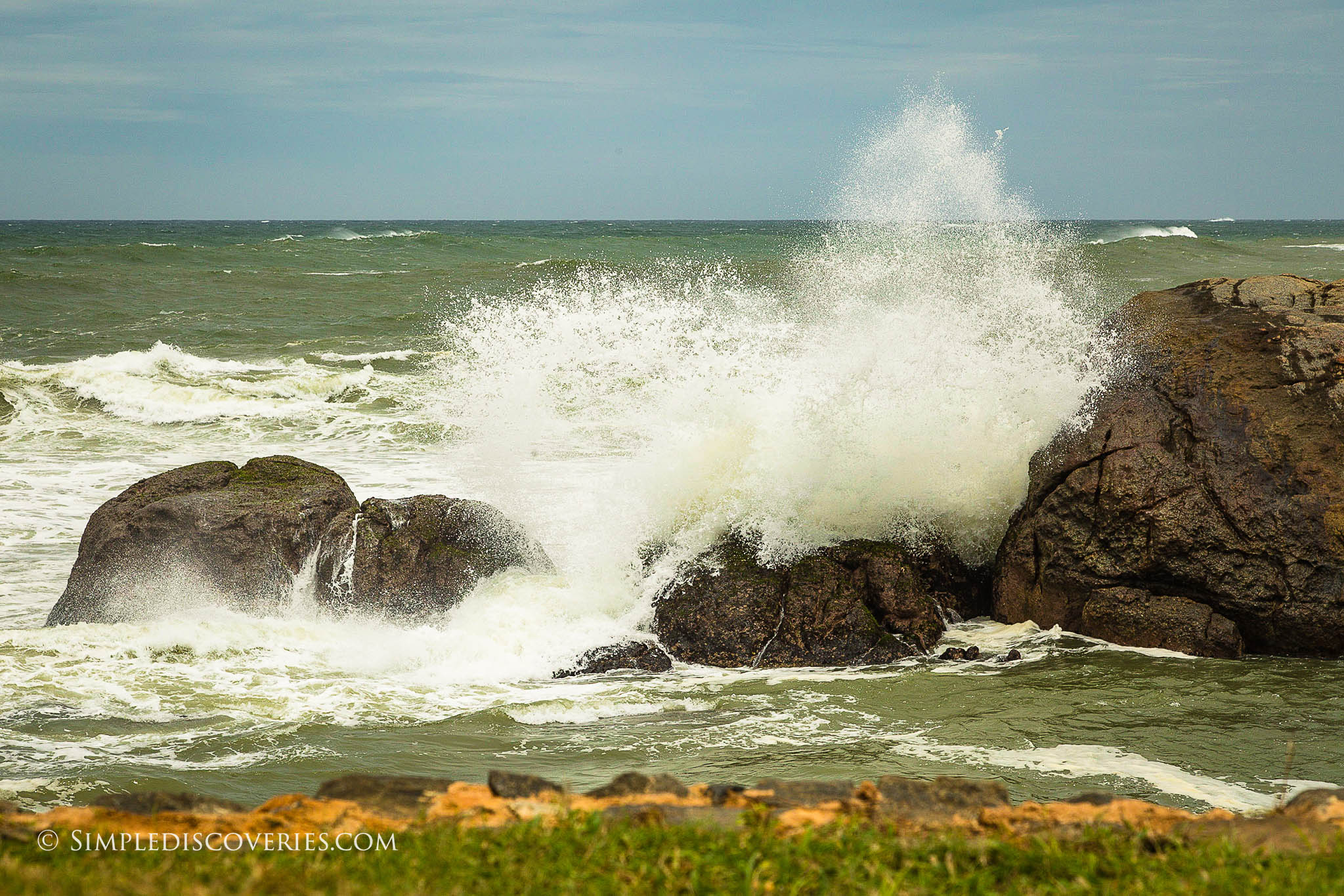 srilanka_waves