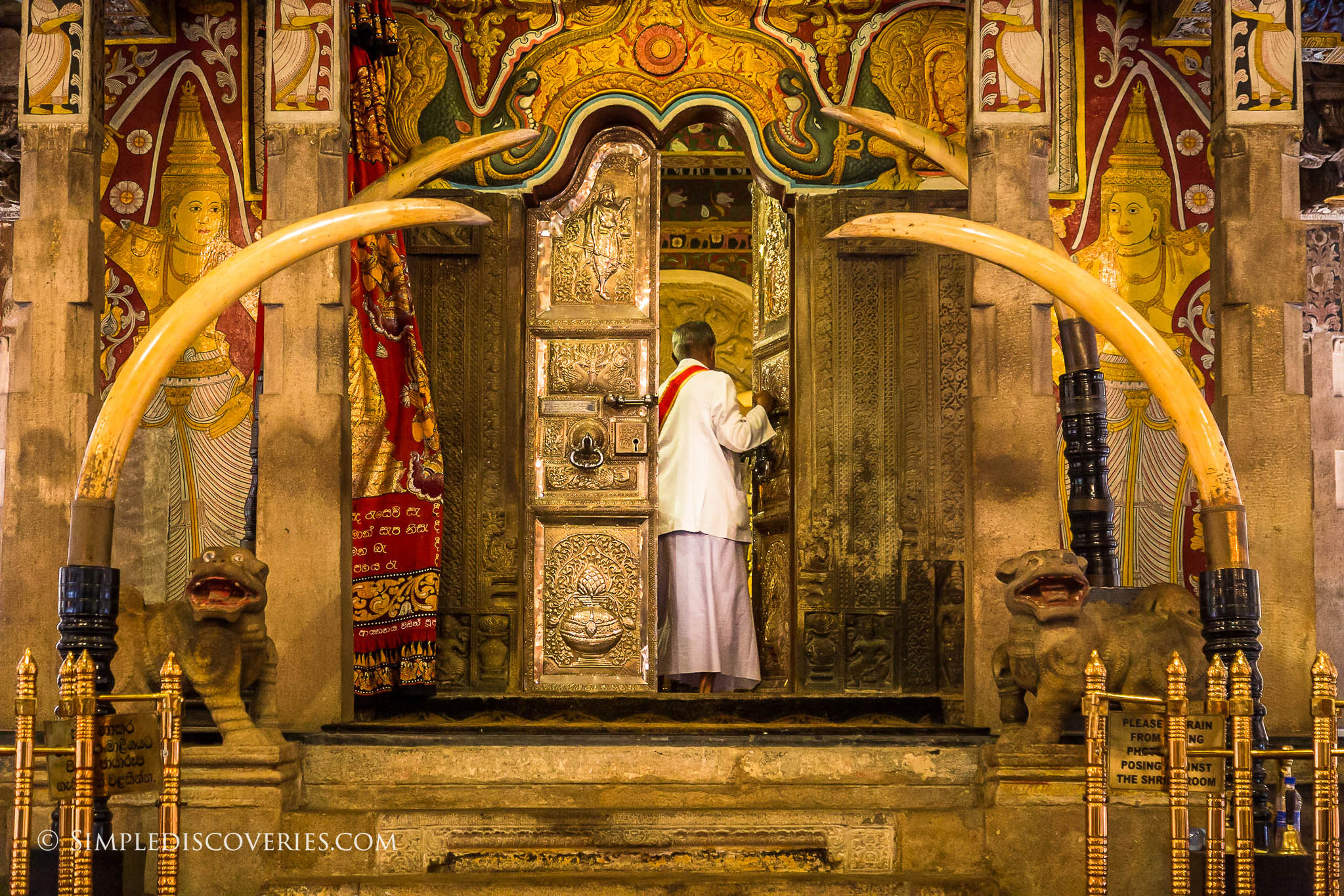 srilanka_temple_of_the_tooth