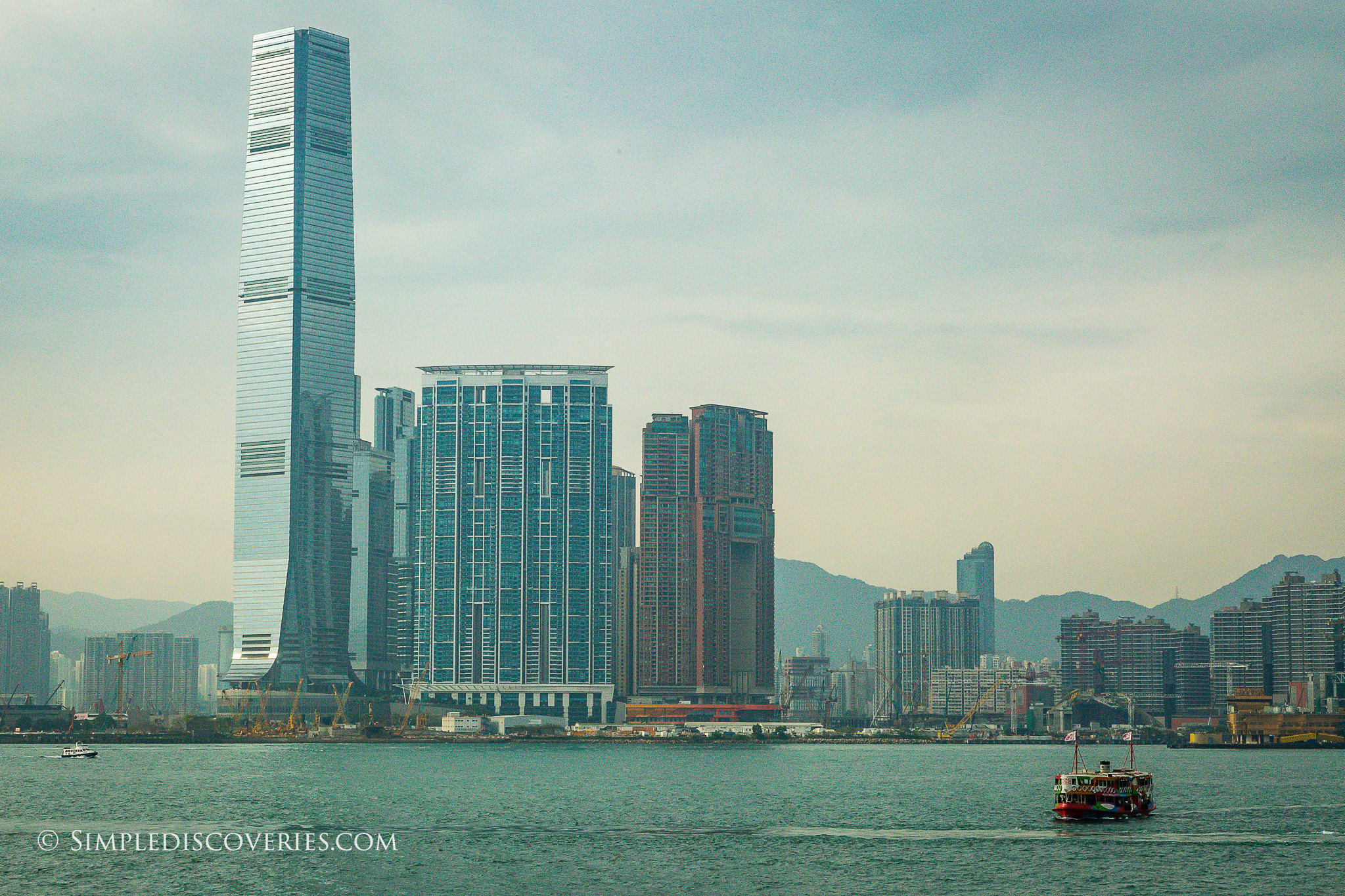 victoria_harbour_skyscrapers_hong_kong