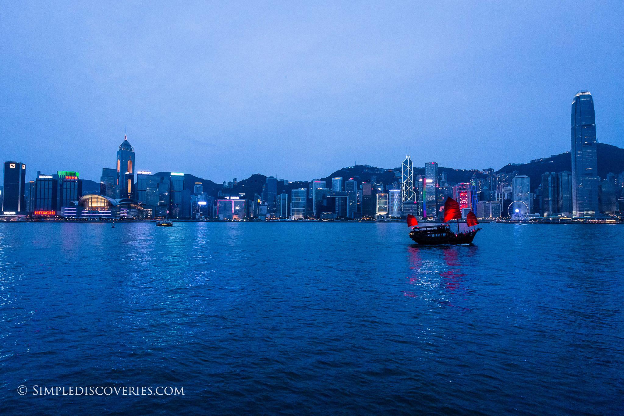 victoria_harbour_dusk_hong_kong