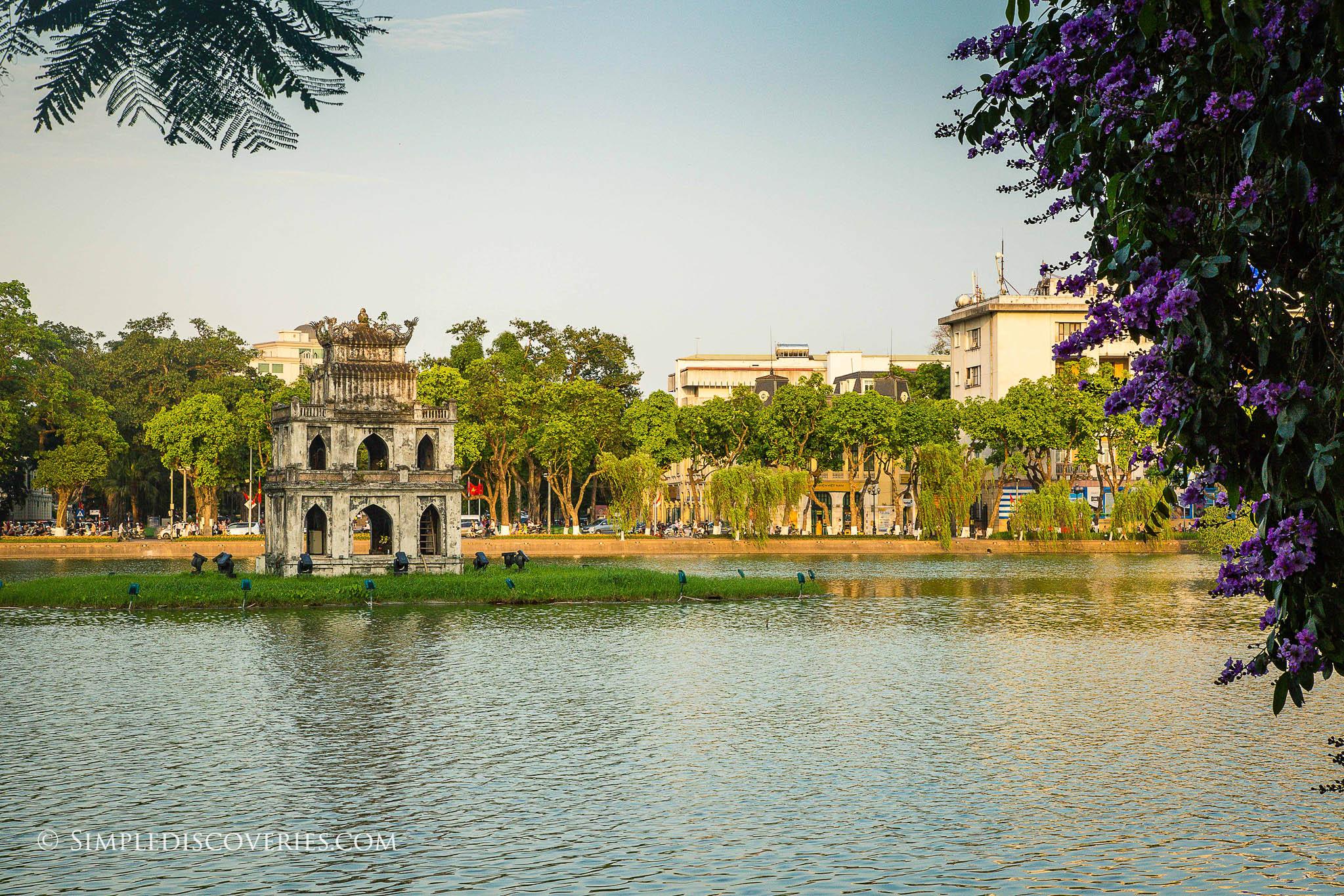 vietnam_hoan_kiem_lake_hanoi