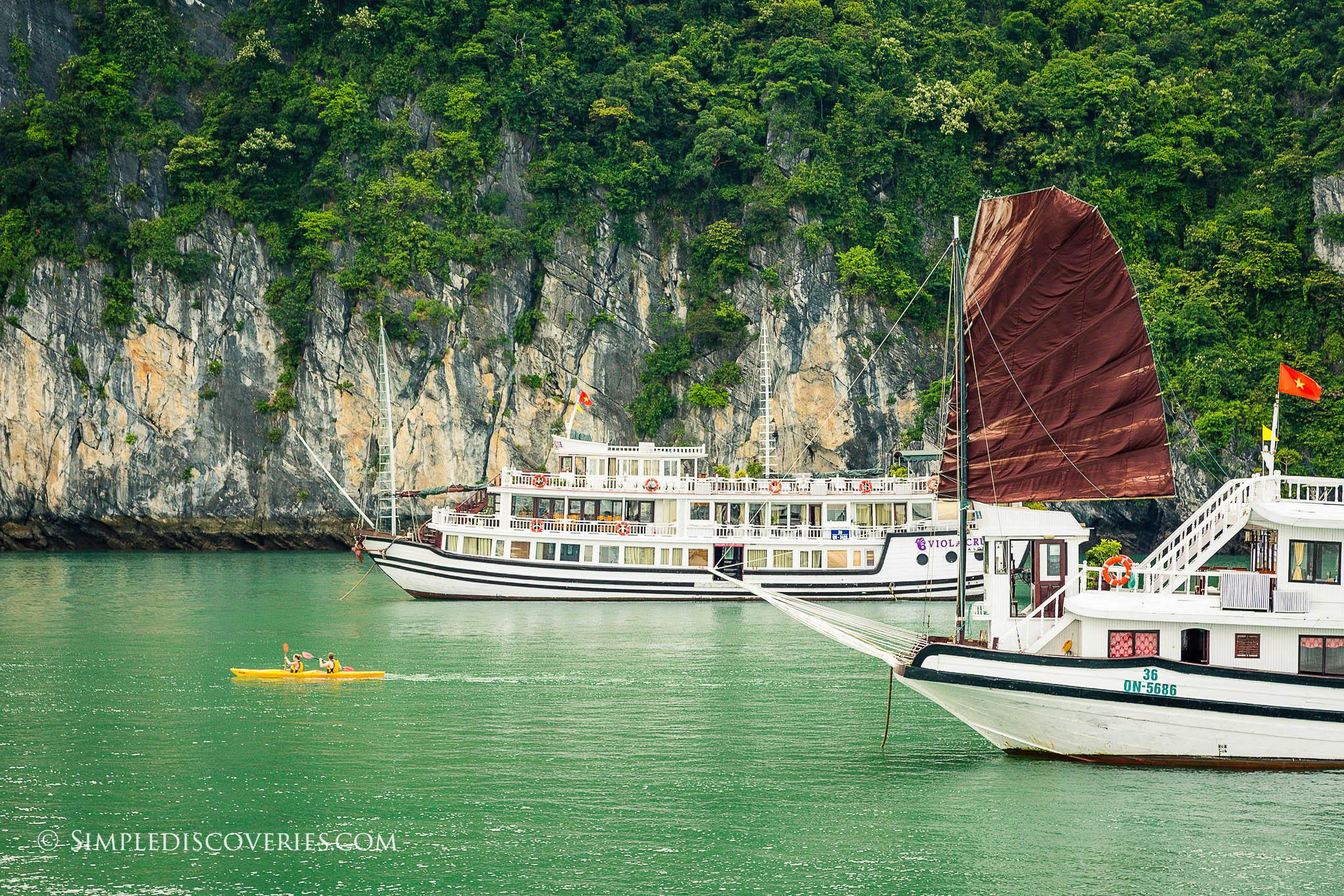 kayaker_halong_bay_vietnam