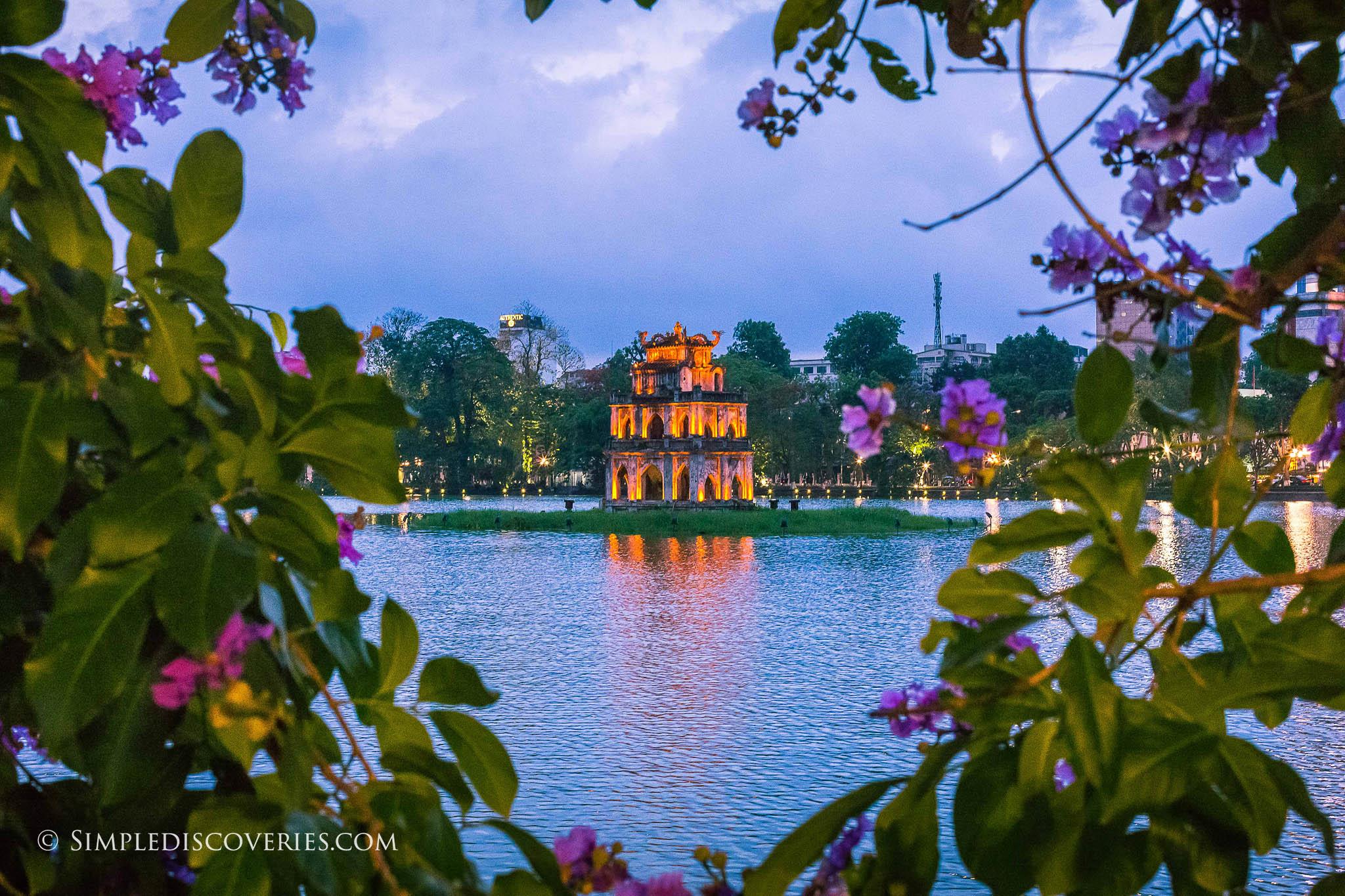 hoan_kiem_lake_dusk_vietnam