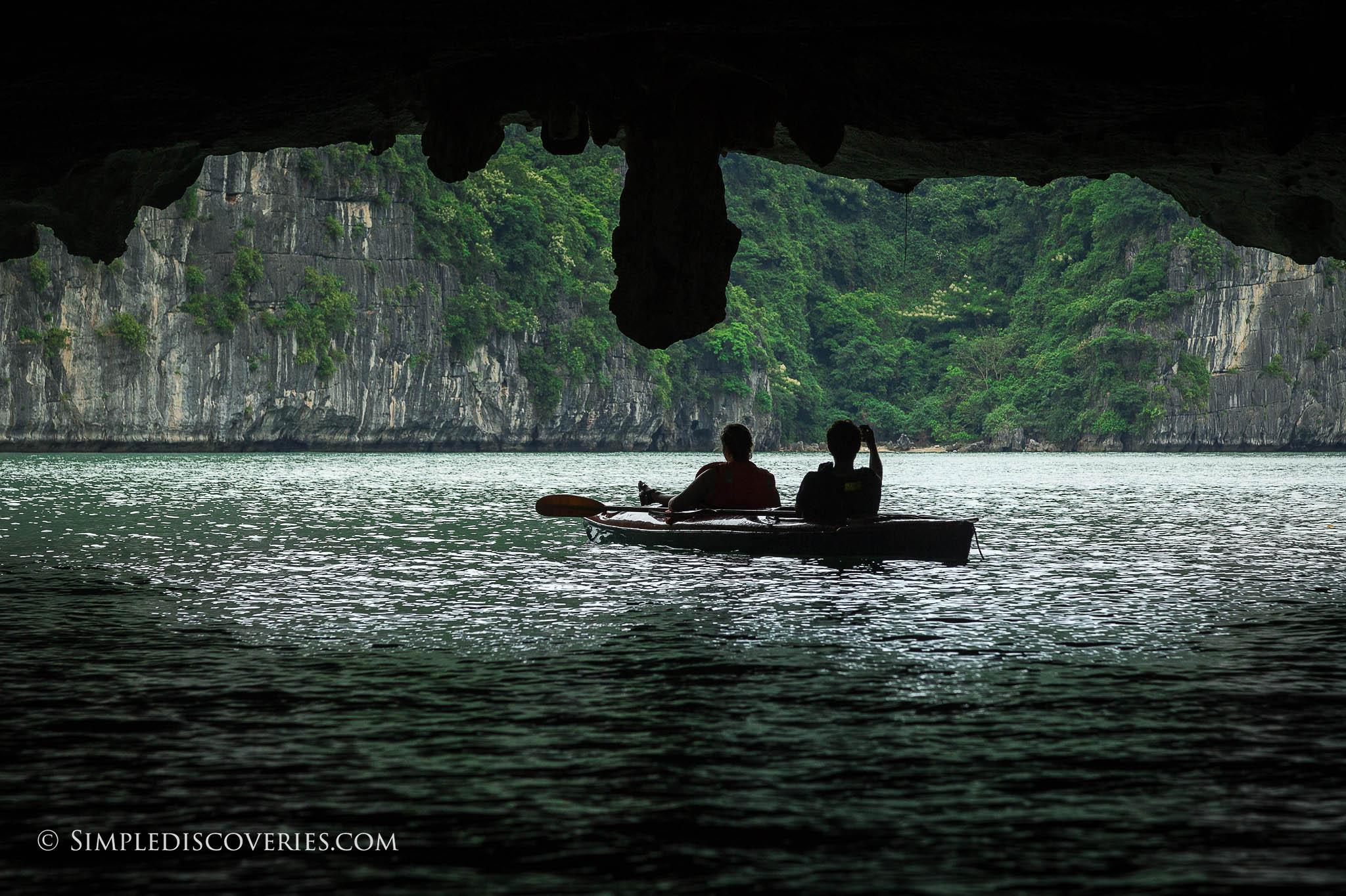 halong_bay_kayaking_vietnam