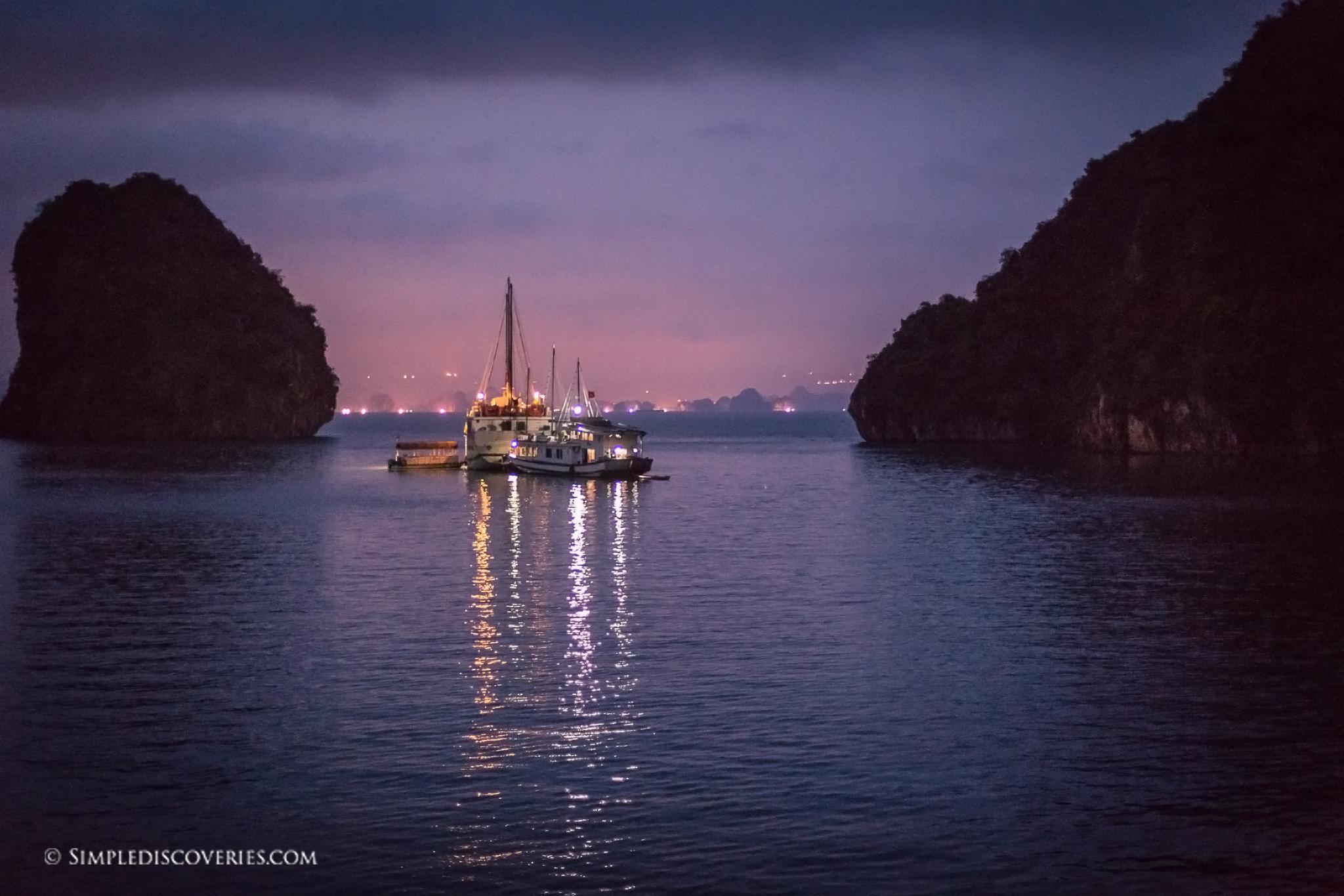 dusk_at_halong_bay_vietnam