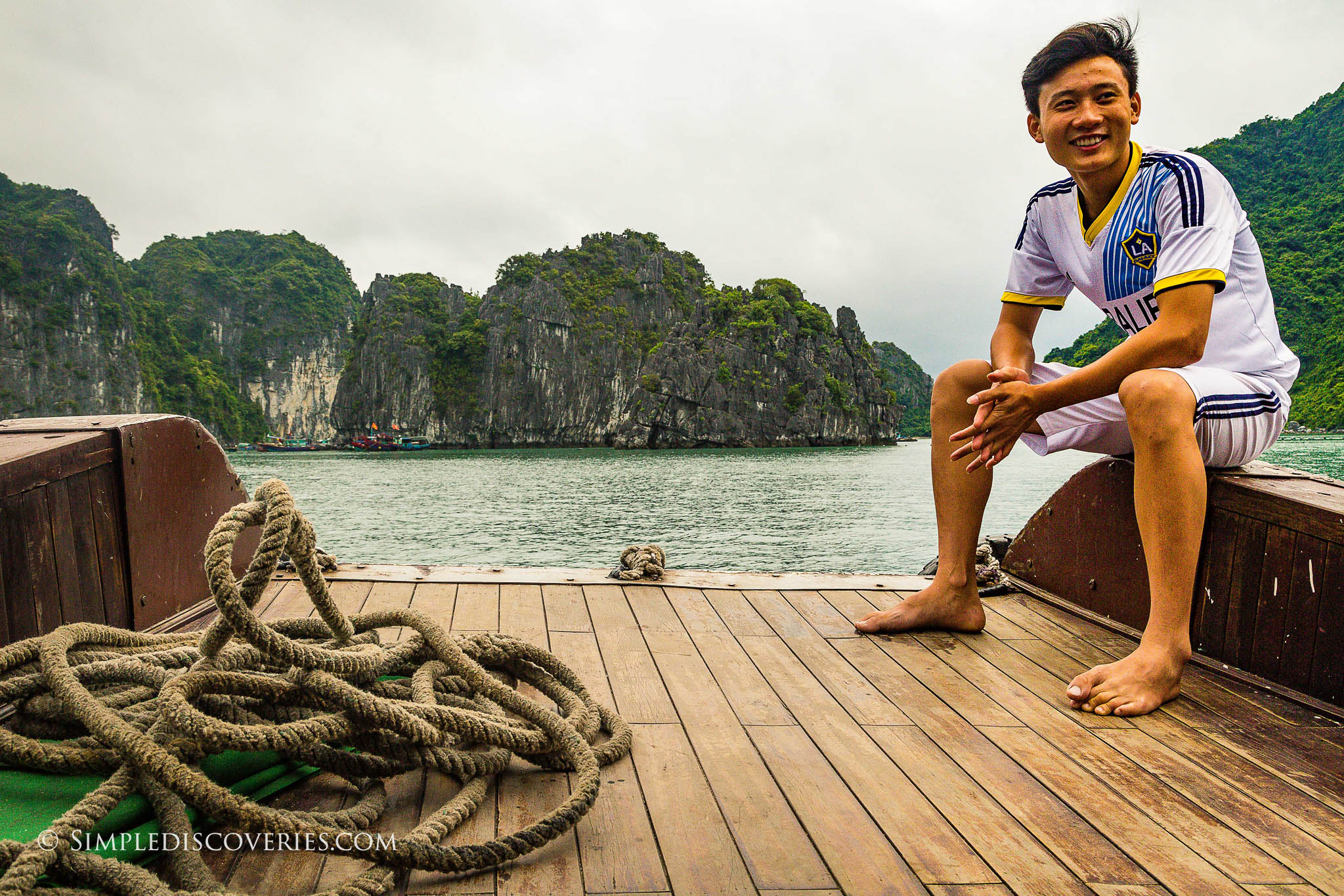 cruising_bai_tu_long_bay_vietnam