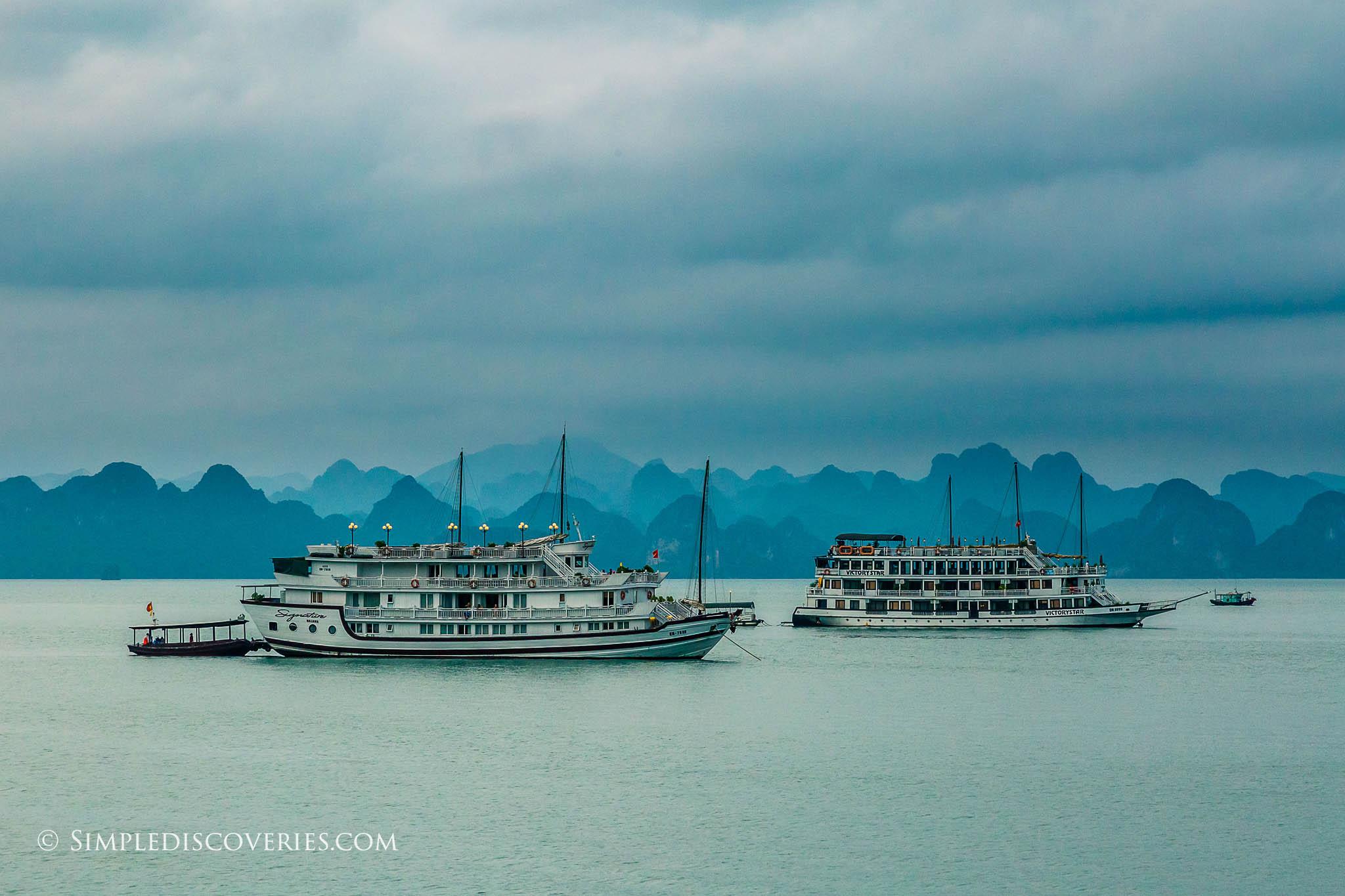 boats_bai_tu_long_bay_vietnam