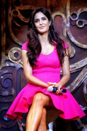Katrina Kaif Oops Upskirt Wardrobe Malfunction