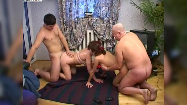 Порно мать отец и дочка