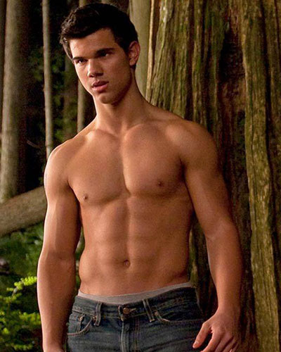 Taylor lautner working out in the gym