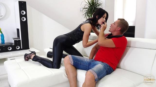 Голые девушки без порно