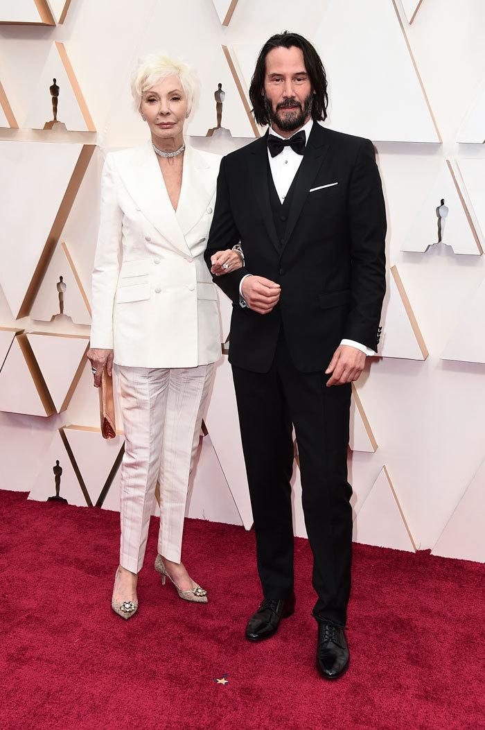 Киану Ривз привел на«Оскар» свою 76-летнюю маму иснова покорил интернет