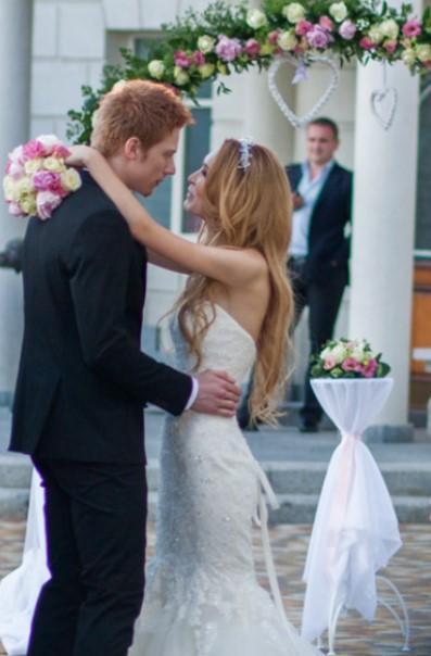 Никита Пресняков и Аида Калиева сыграли свадьбу